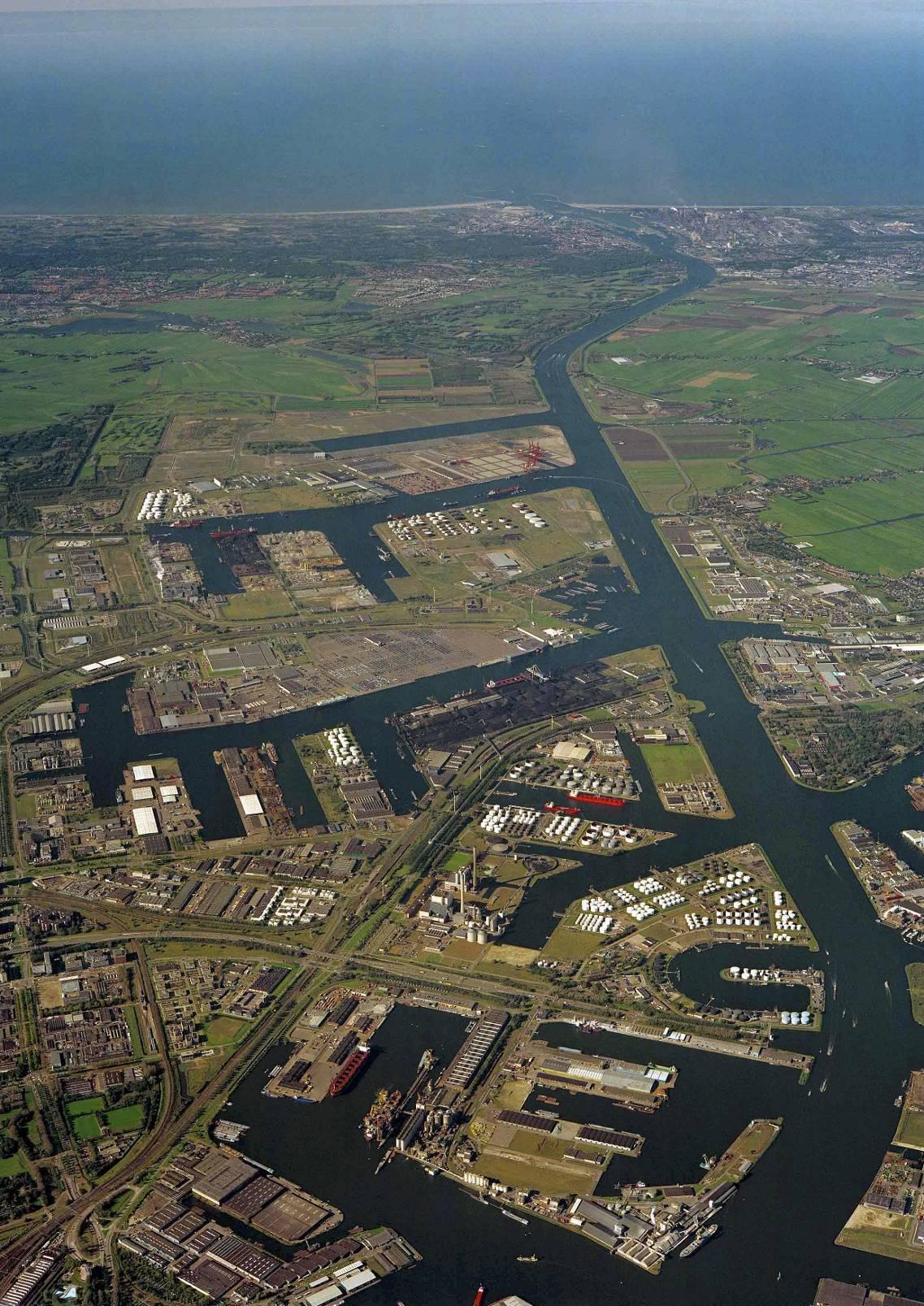 Dorpsraad Zwanenburg-Halfweg: 'Een begraafplaats kan de uitbreiding van de Amsterdamse haven tegenhouden'