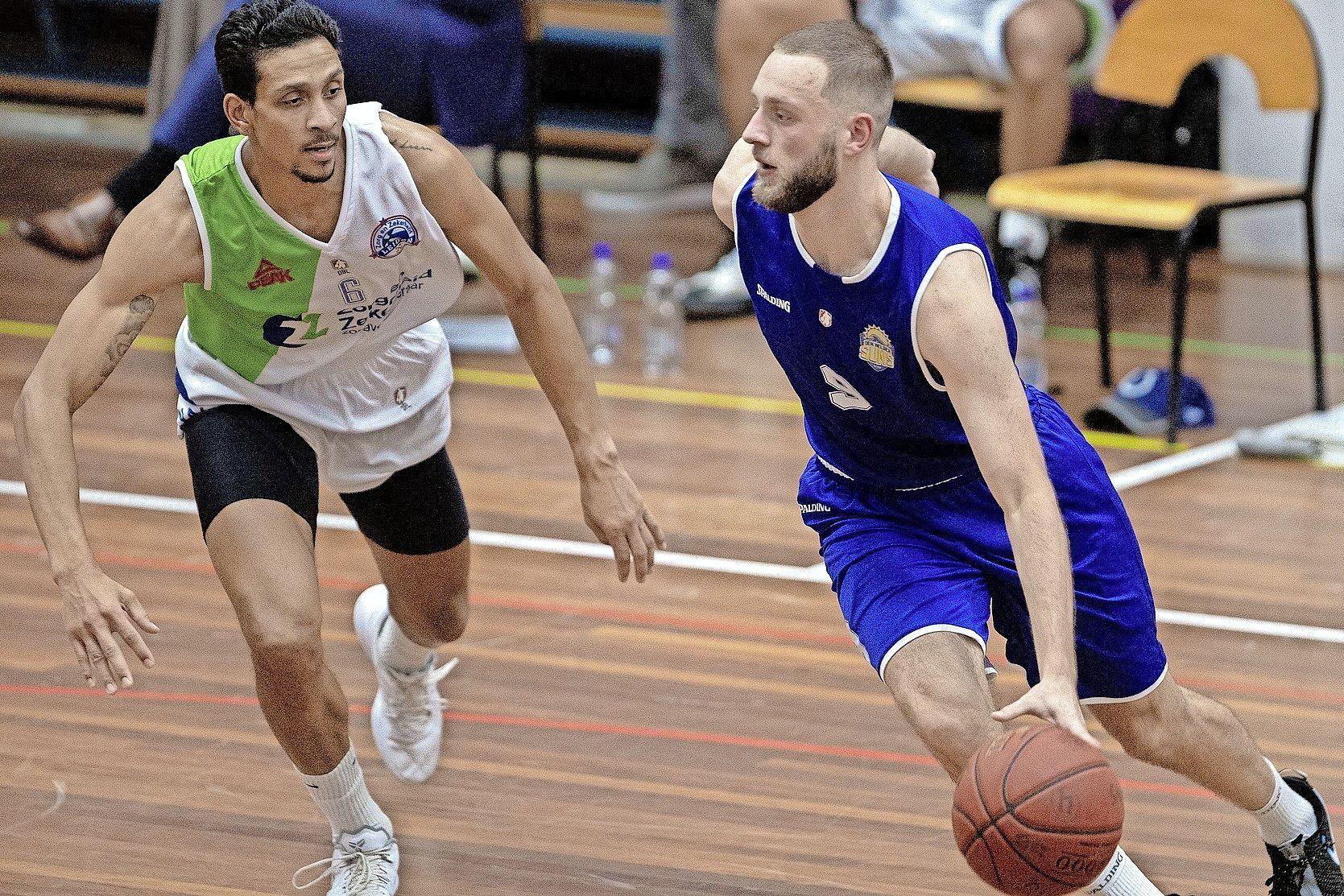 Nino Gorissen heeft vertrouwen van Suns en tekent voor twee seizoenen bij. Ook Stan van den Elzen blijft in Den Helder