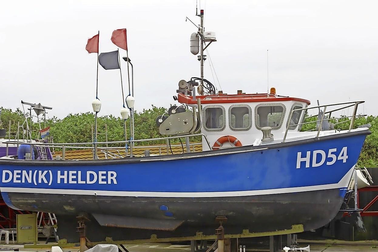Den Helder wil dat minister een eind maakt aan het dumpen van zwerfkeien op de Doggersbank door Greenpeace. 'Het is symboolpolitiek, maar we hebben sympathie voor onze vissersgemeenschap'