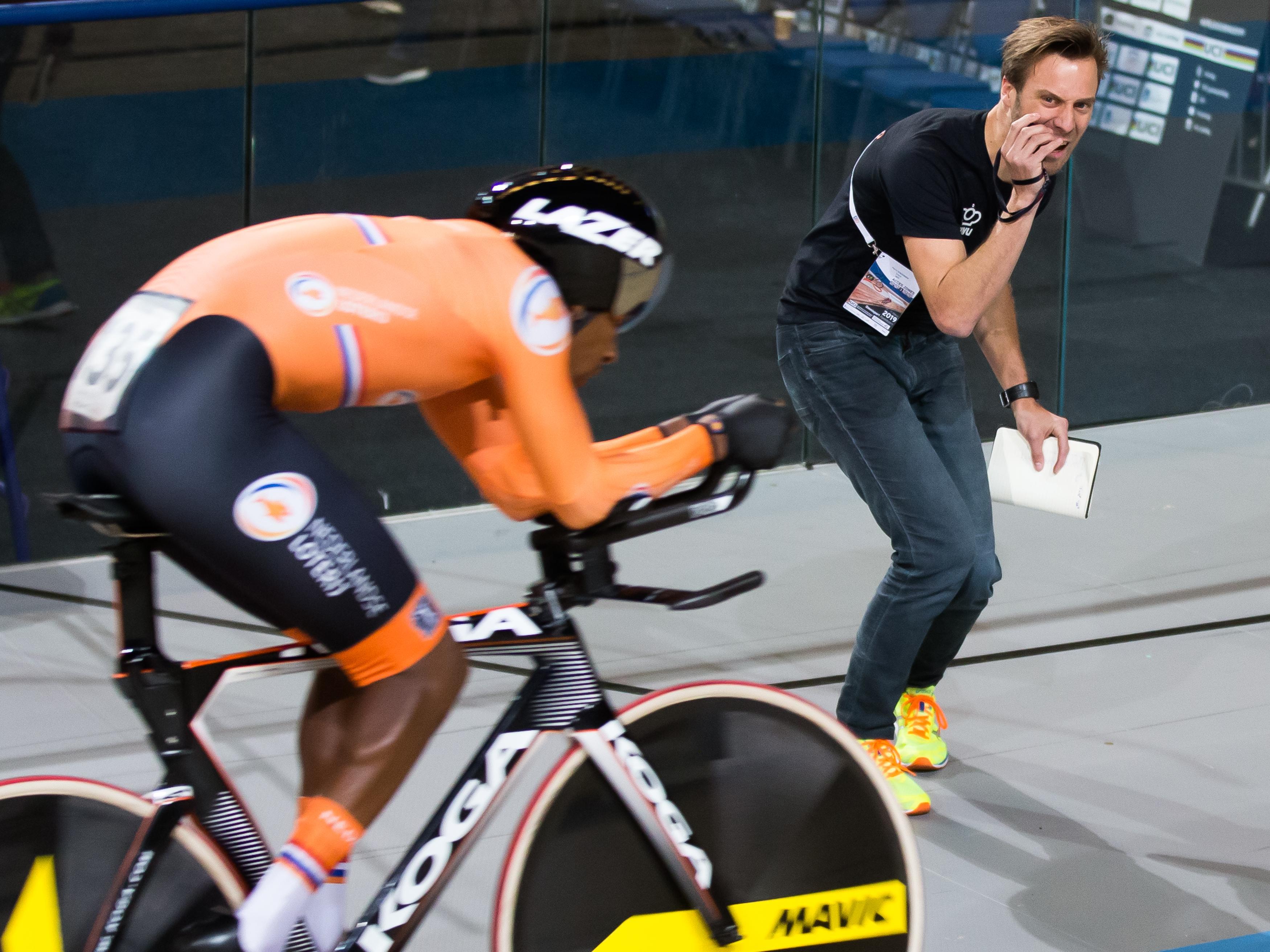 Zijn hang naar avontuur bracht wielrenner Floris Goesinnen in Australië. Daar gingen de oogkleppen af en fietste de Opperdoezer beter dan hier: 'Het valt alleen minder op als je dat doet in Taiwan of China'