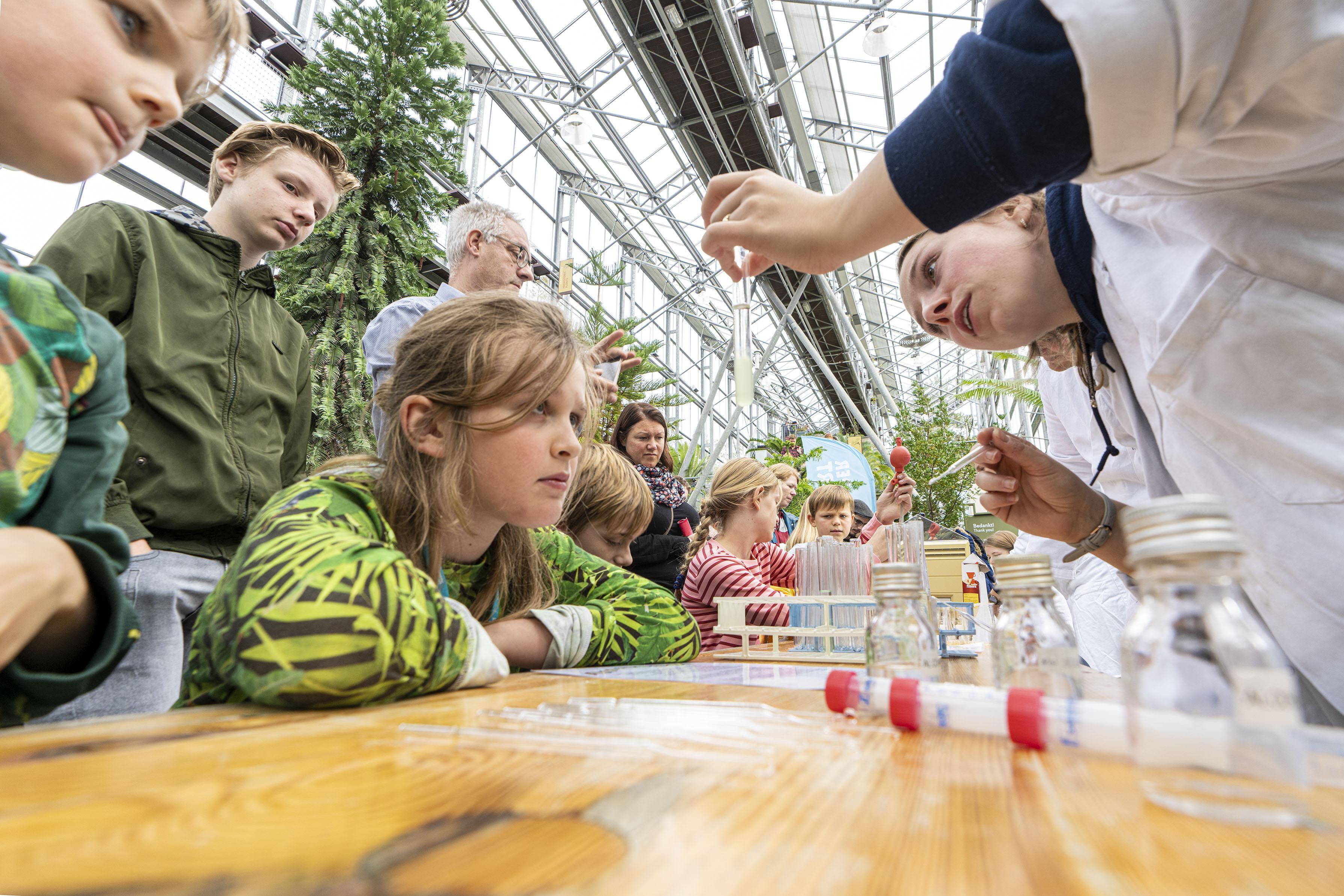 Smaakexplosies en vleesetende planten tijdens het Weekend van de Wetenschap