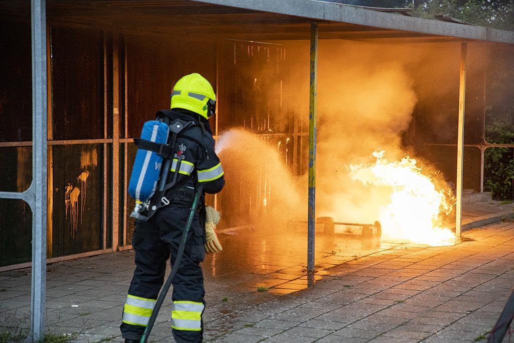 Dug-out in brand gestoken bij voetbalvereniging EDO in Haarlem