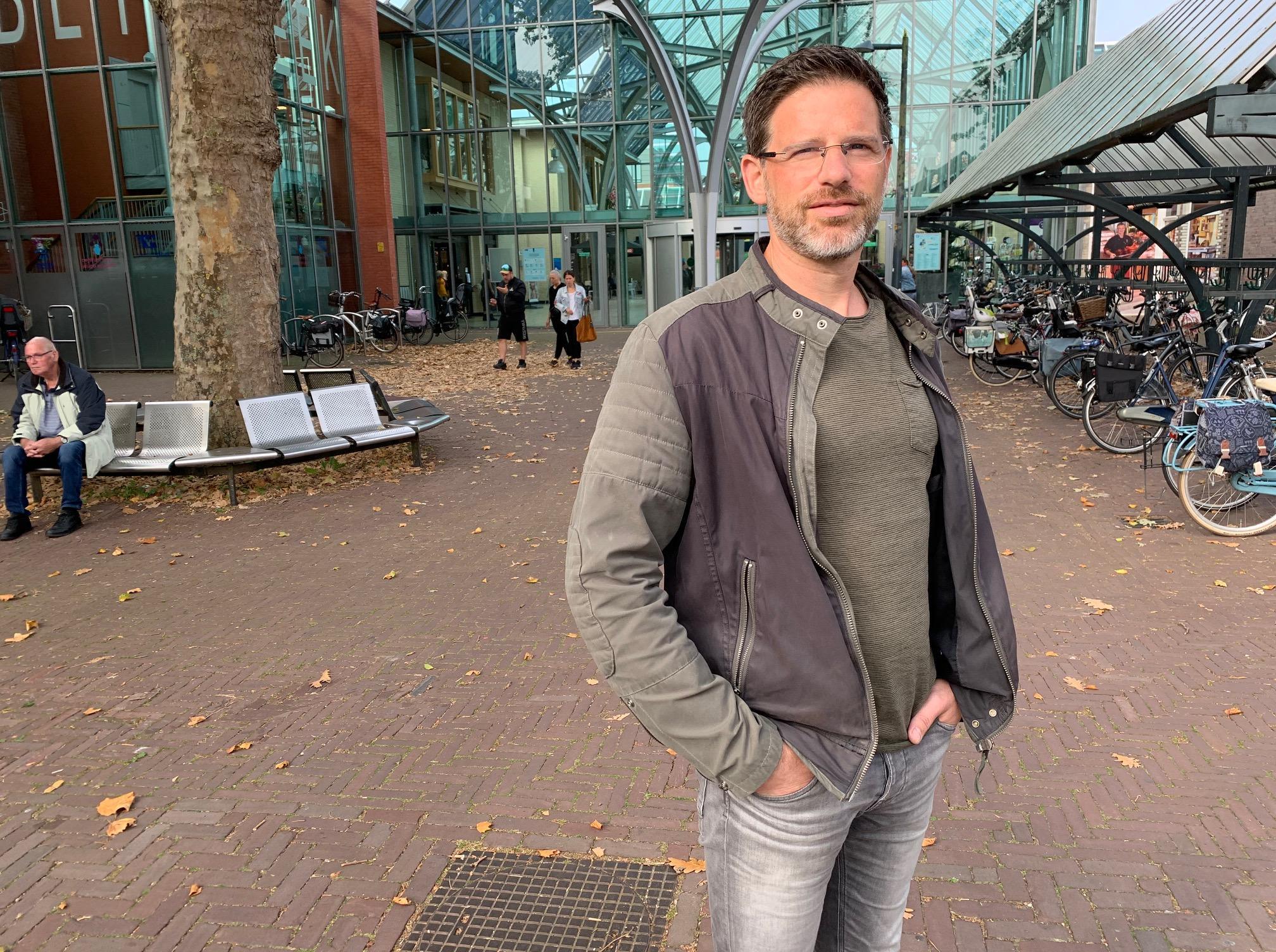 Maarten Haan eerste wijk-GGD'er voor verwarde mensen in Stede Broec: 'Hoe eerder hulp hoe beter'