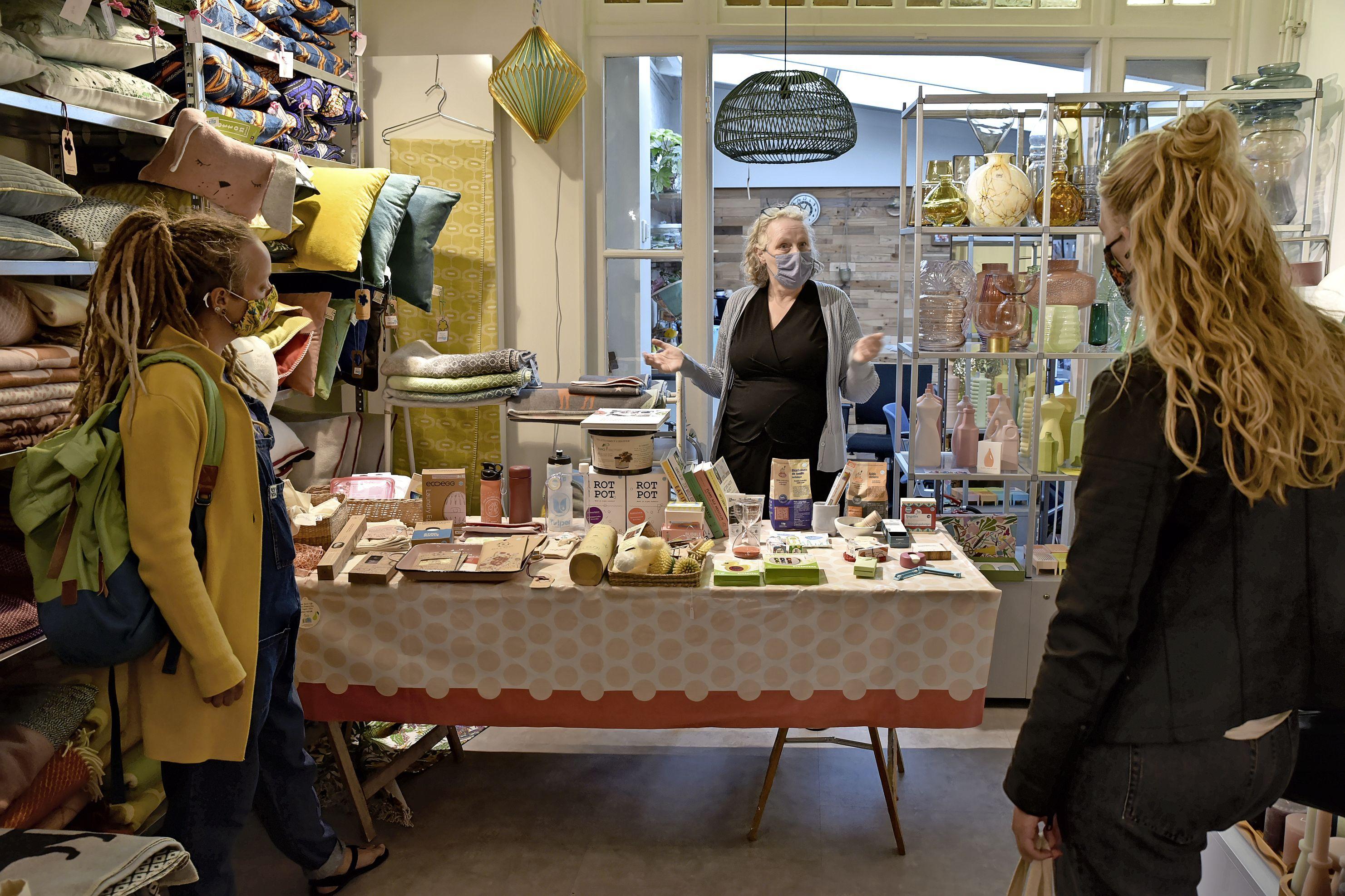 Week zonder afval: stappenteller aan voor duurzaam ommetje Zero Waste in Hoorn. 'Hier kijkt niemand gek op van meegebracht bakje'