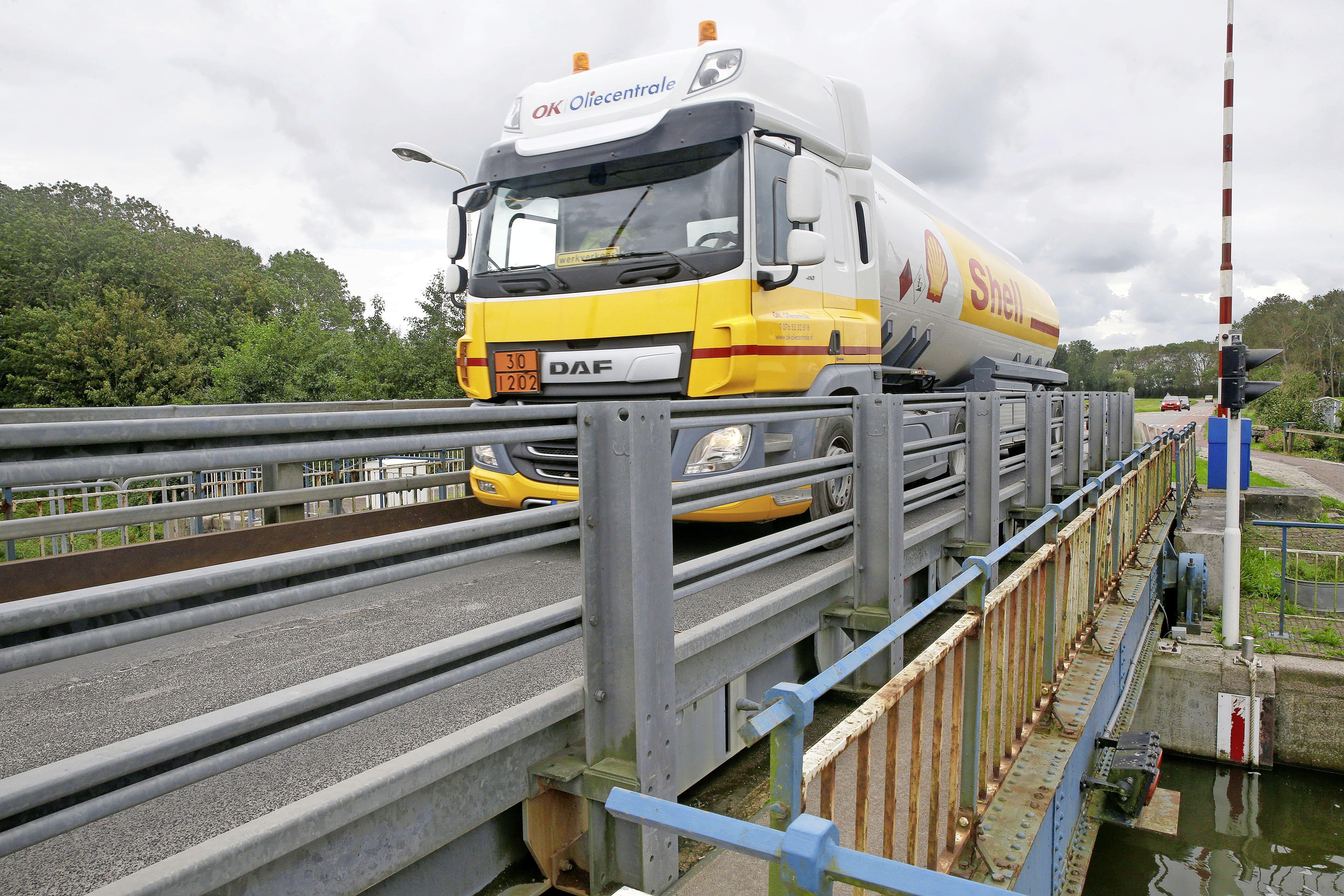 Voor Hollands Kroon is het duidelijk: de Westfriesesluisbrug bij Kolhorn moet een vaste brug worden. Nu de provincie nog mee zien te krijgen, aldus wethouder Theo Groot
