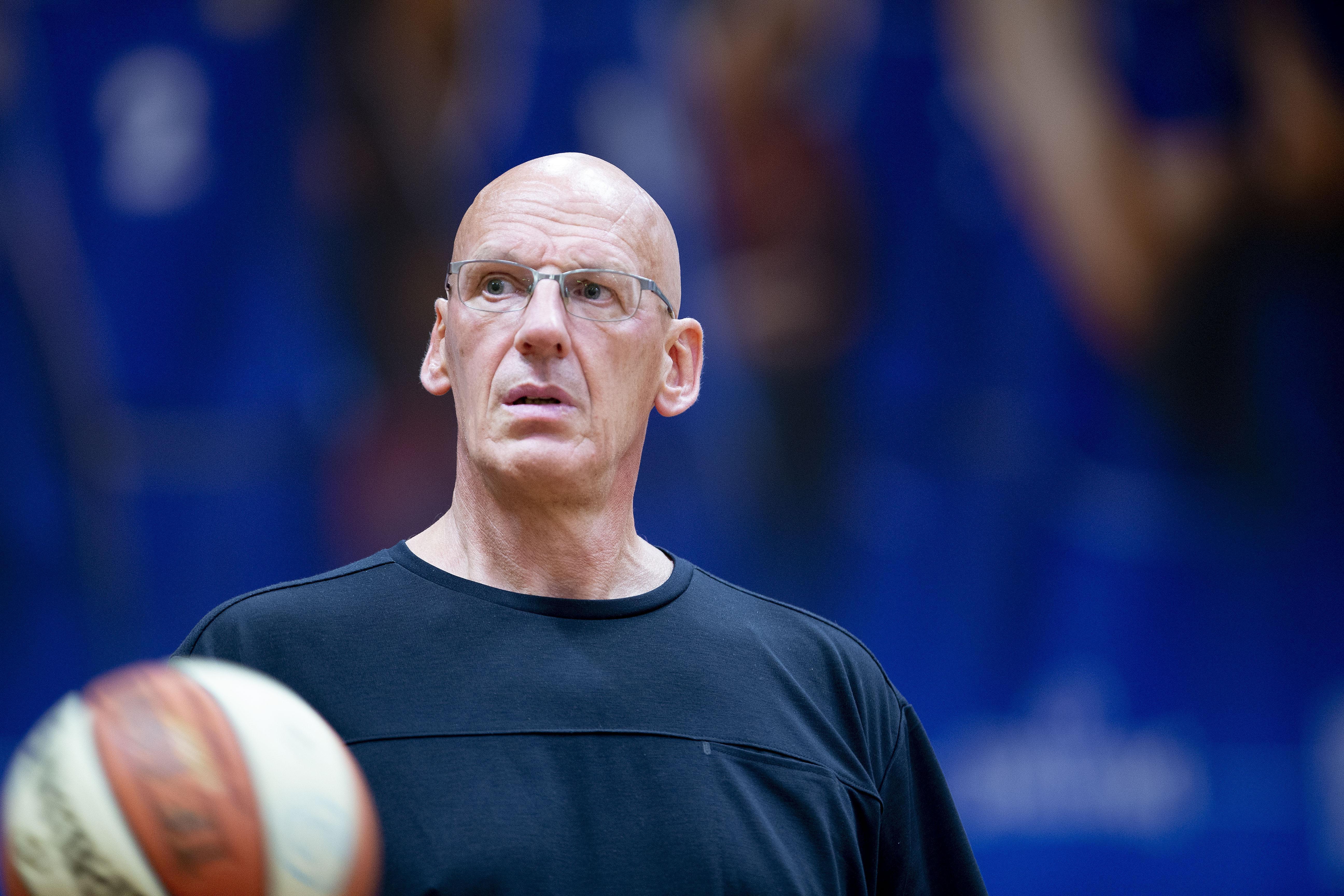 Basketbalsters Den Helder verliezen ongeslagen status en dat doet pijn zegt coach Bennes: 'Het werd bij ons steeds chaotischer'