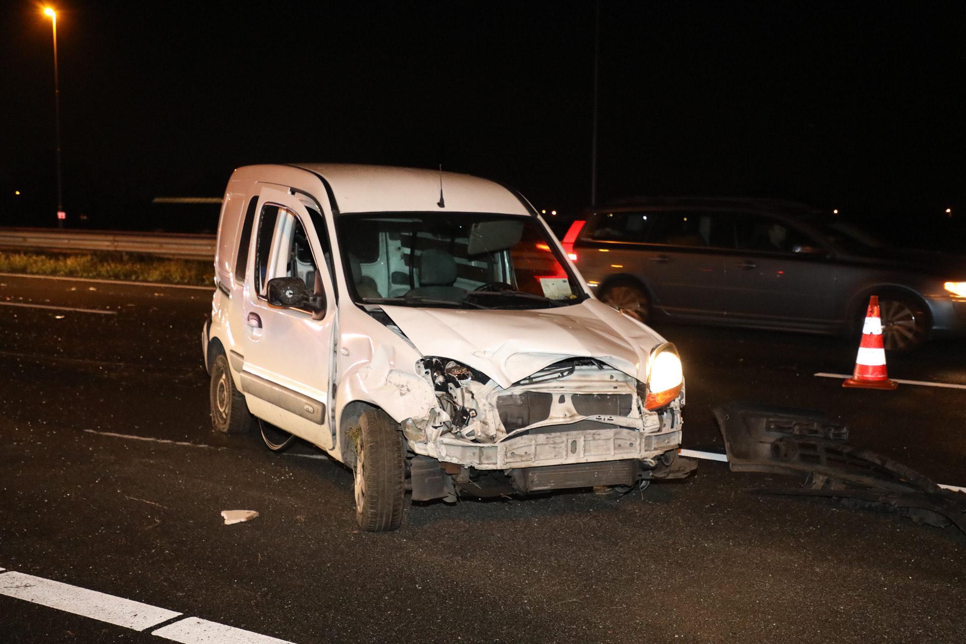 Crash op A9 bij Zwanenburg zorgt voor lange file, bestuurder met schrik vrij