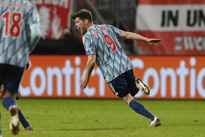Ajax en Schalke 04 akkoord over transfer Klaas-Jan Huntelaar