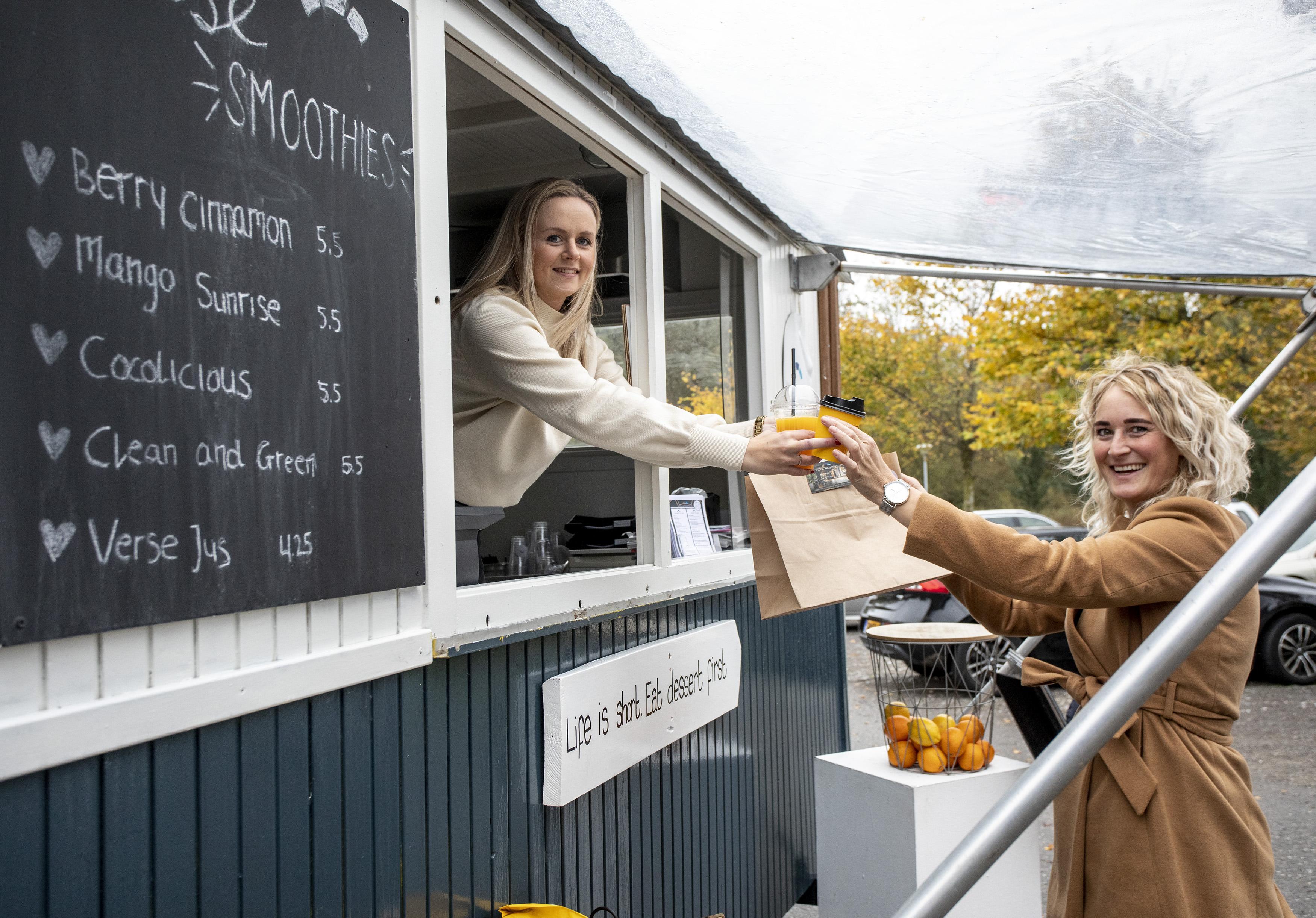 Villa Westend in Velserbroek heeft 'Villa's to go truck' voor de deur gezet