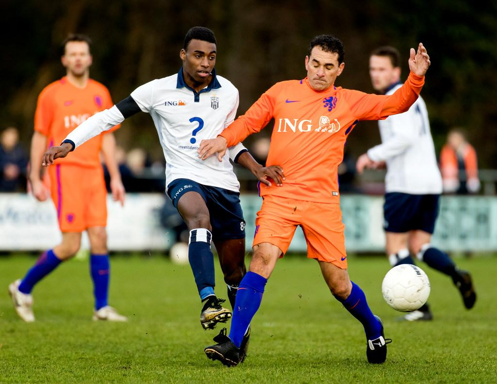 Vanenburg vervangt tijdelijk Witschge in technische staf Ajax
