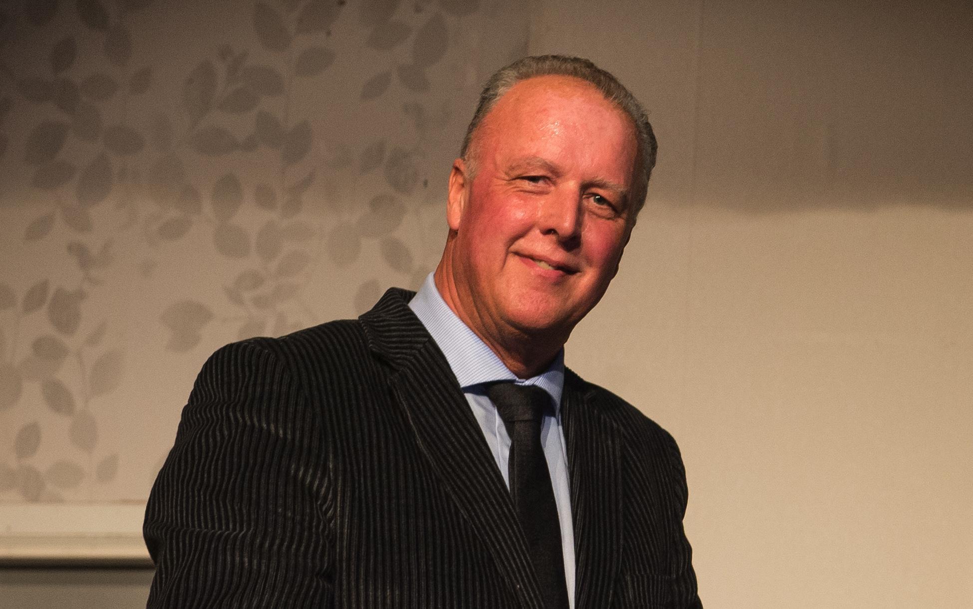 Wethouder Dick Butter weer aan de slag in Beemster, Jan Houtenbos doet stapje terug