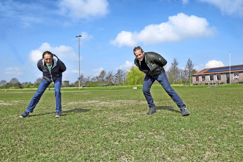 Nico Pronk en Jos Niesten van IJsclub Kees Jongert in Heemskerk willen duidelijkheid over skeelerbaan: 'We worden al jaren aan het lijntje gehouden'