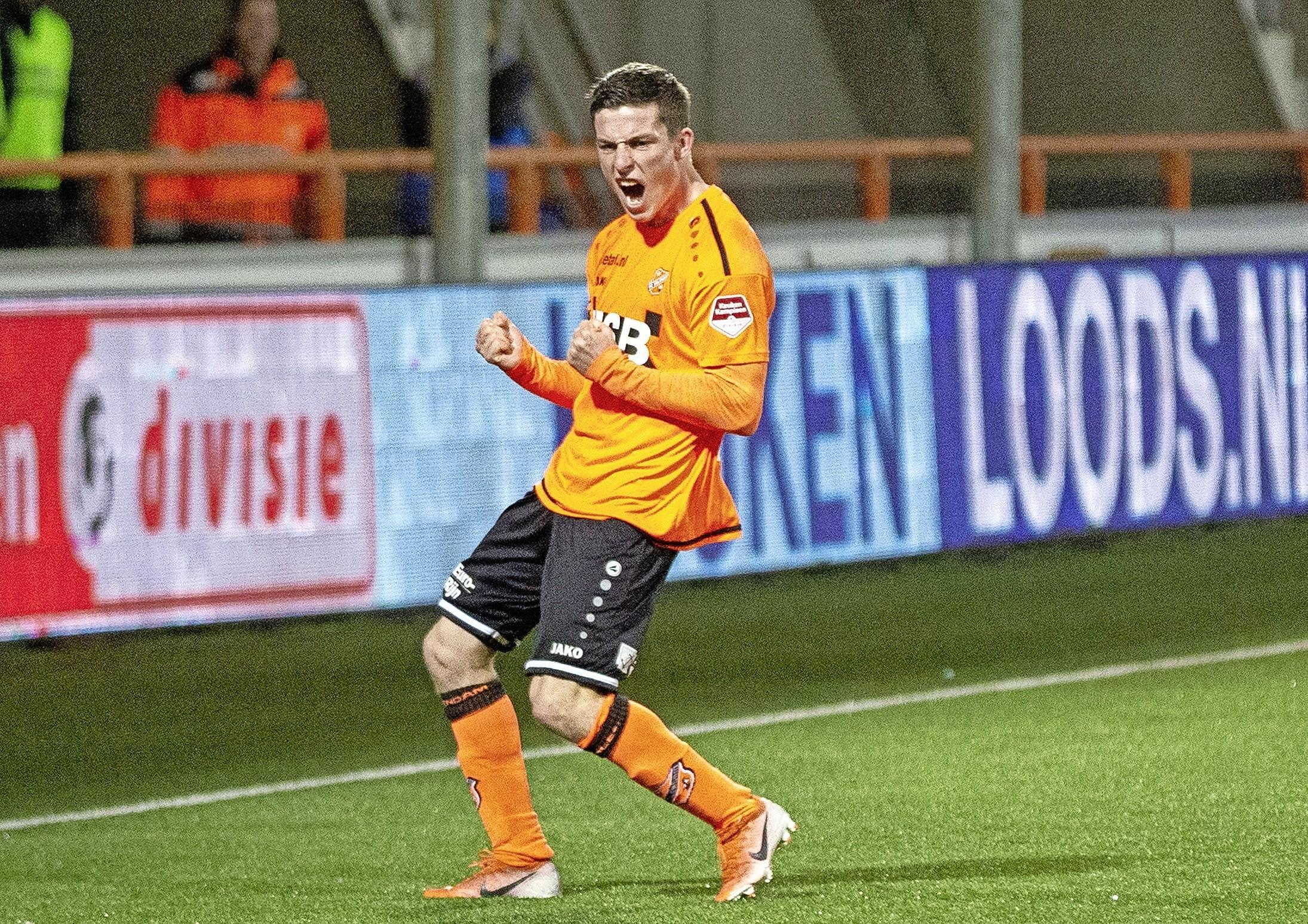 Coronatest Nick Doodeman raakt zoek. Speler FC Volendam mag niet meedoen tegen De Graafschap. 'We hebben zelfs in de vuilnisbakken gekeken, maar helaas'
