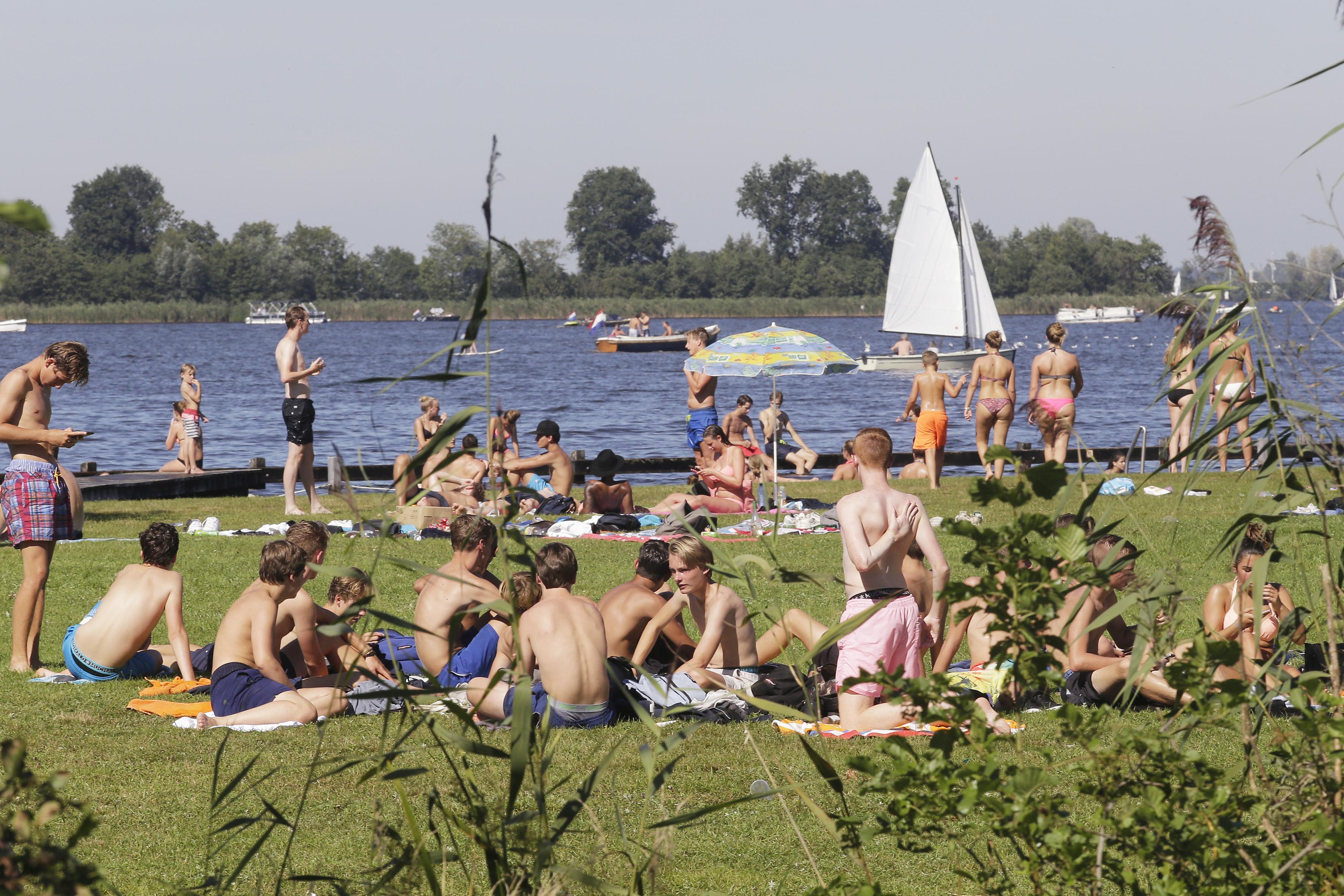Zwemwater bij met name deel van Loosdrecht soms slecht, maar recreant trekt vaak eigen plan