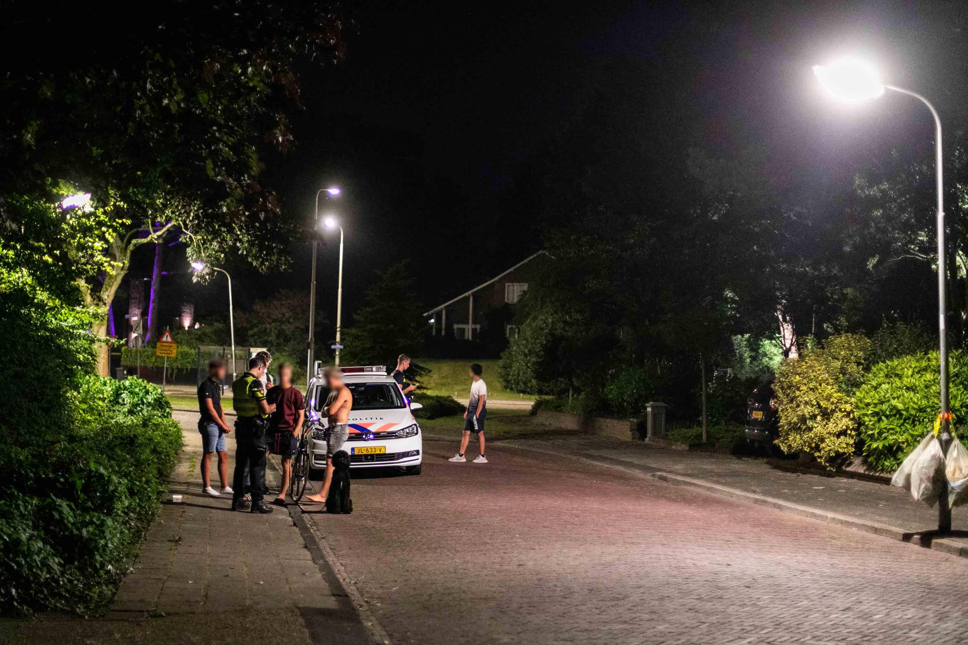Jongen van telefoon beroofd door duo in auto in Bennebroek