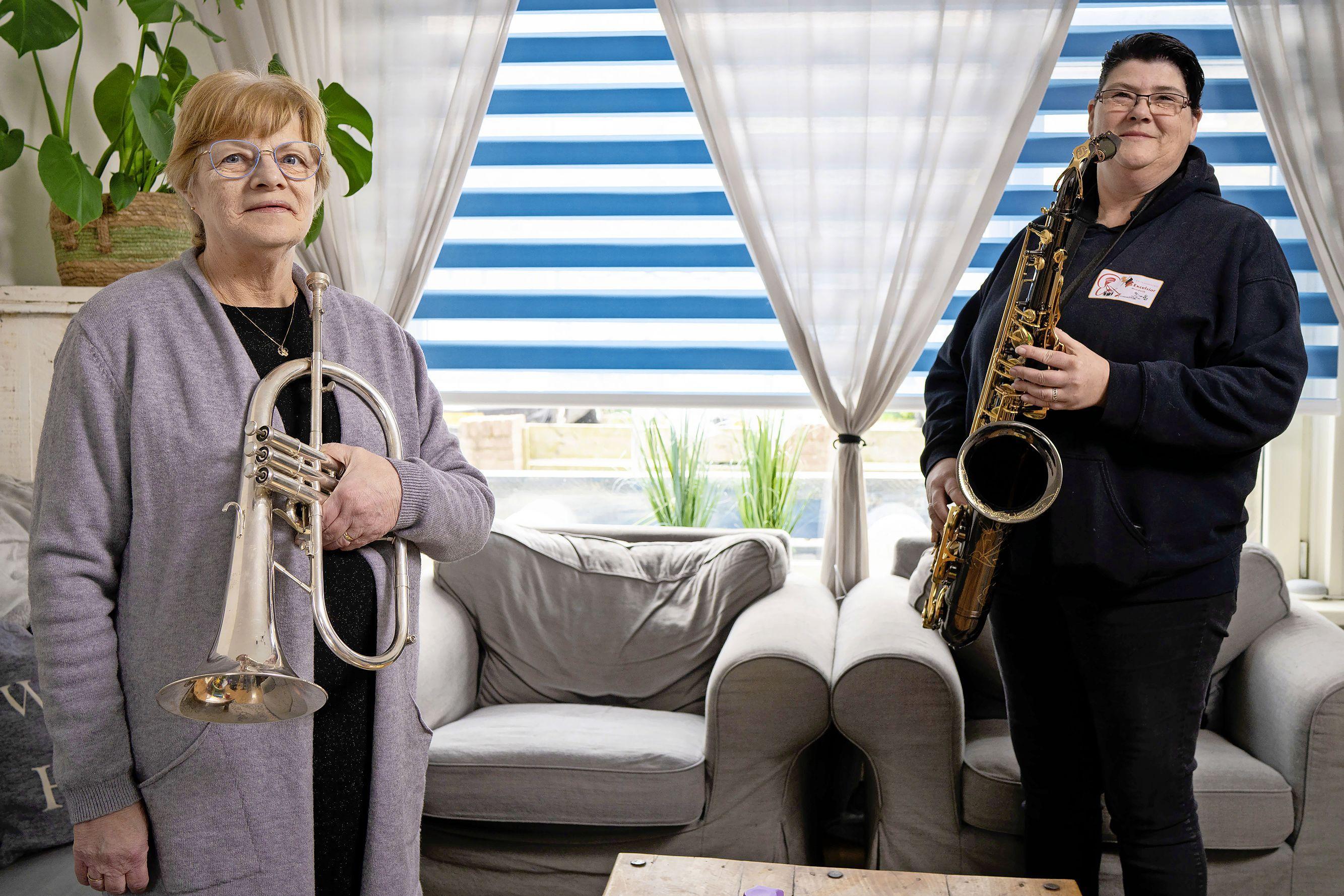 Feest zonder vrolijke noot; de instrumenten zwijgen tijdens het jubileum van Noordwijks fanfarekorps Excelsior