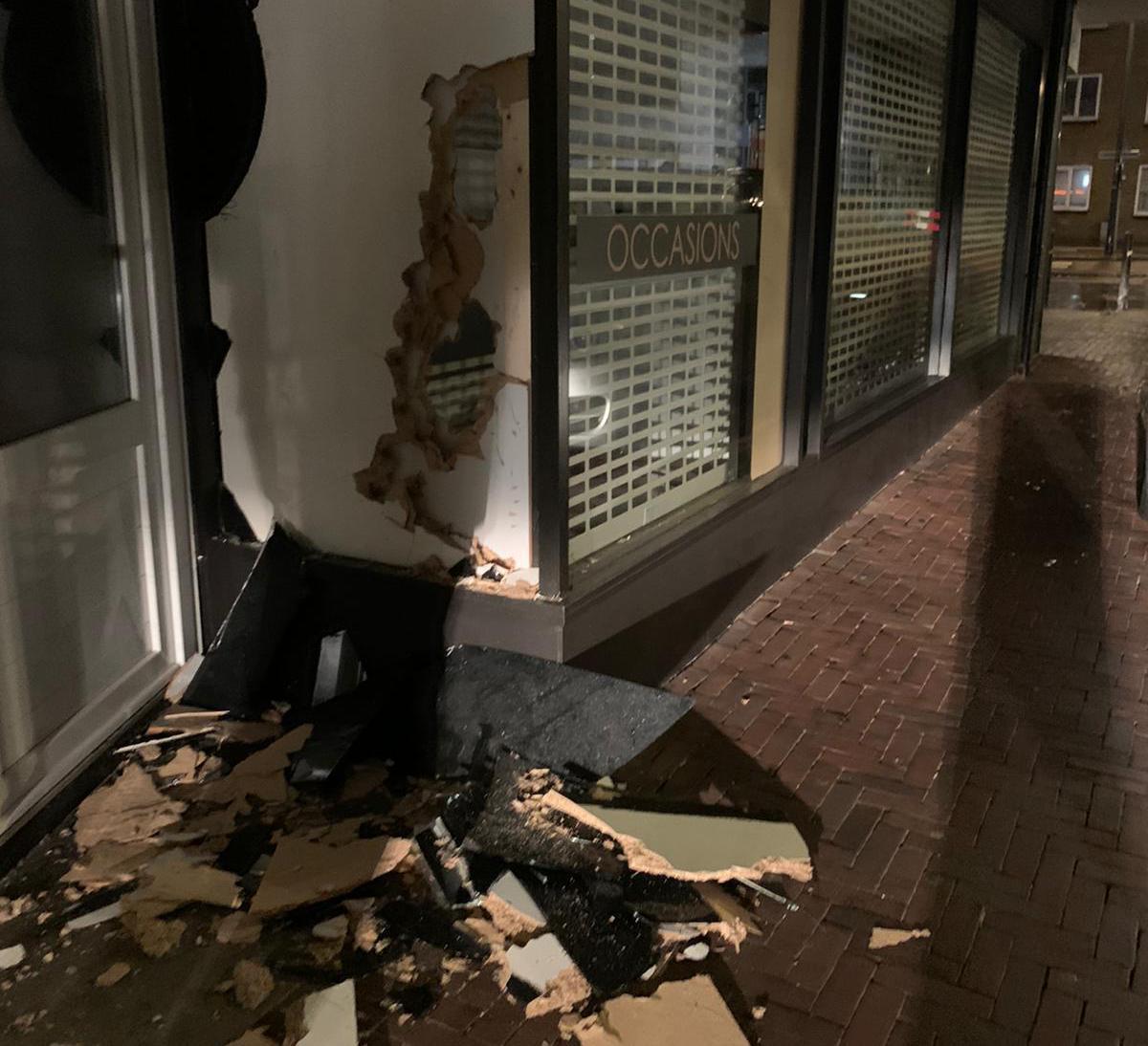 Etalage Amber Jewels in IJmuiden leeggeroofd: 'Ze gingen puur voor het goud'