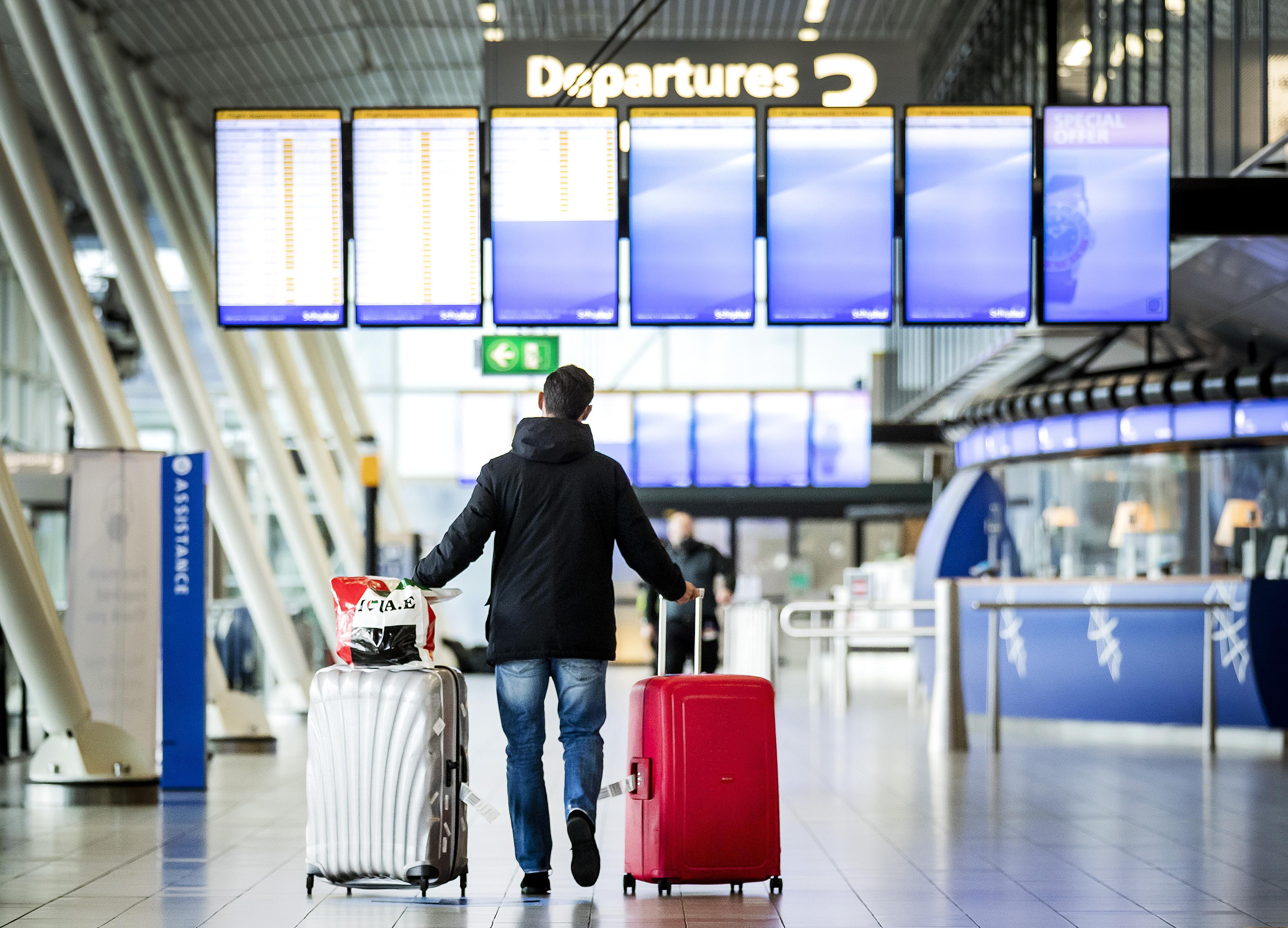 Luchtvaartdebat met twee kampen: Schiphol moet kleiner versus vliegen moet groener