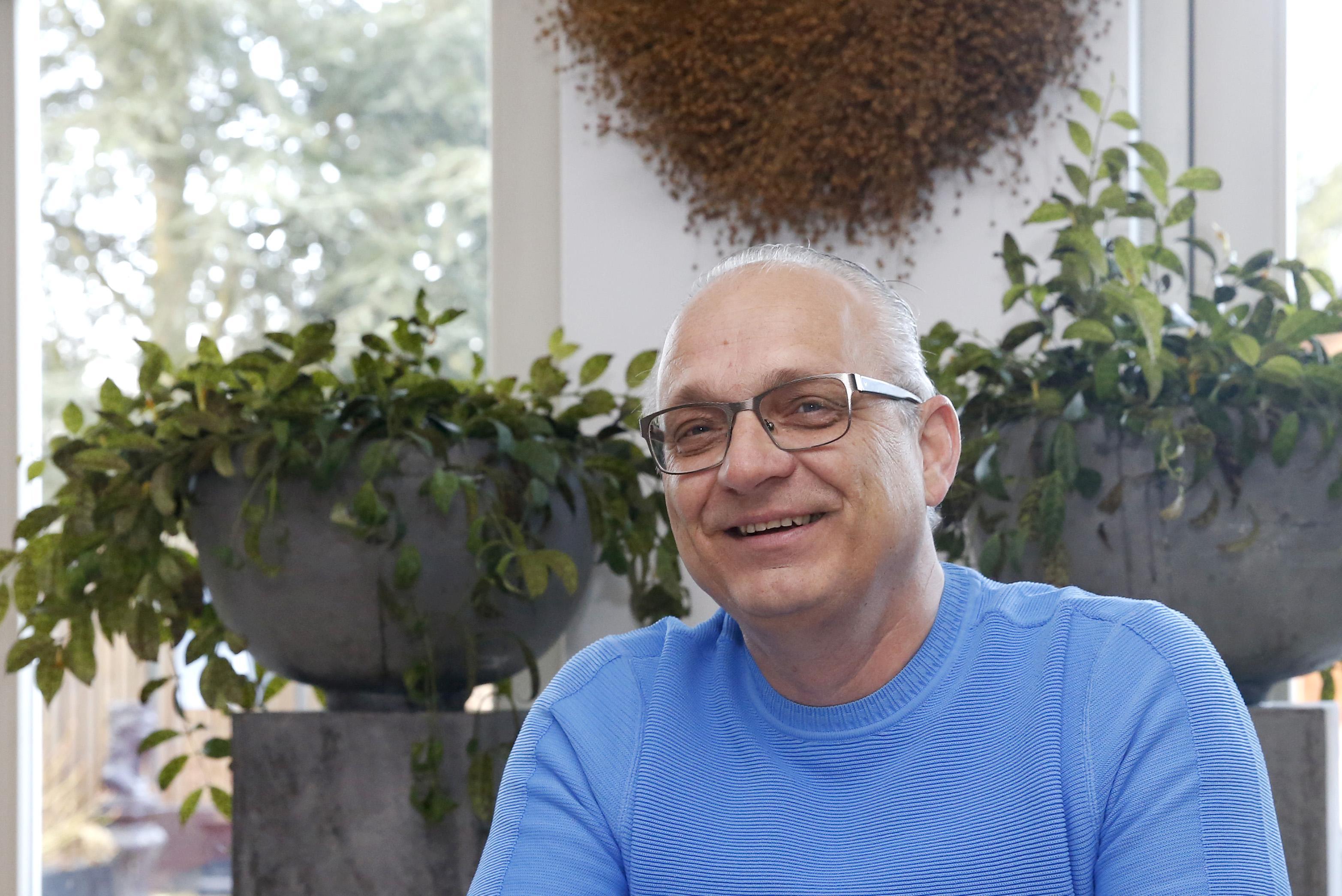 Gosse Bosma, trainer uit Wieringerwerf, gaat straks na drie decennia zonder rottigheid, met pensioen. 'Ik ben 61. Er zijn veel jongere trainers. Als die zouden stoppen, is dat pas echt ingrijpend'