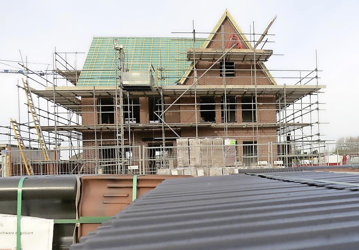 Roep om snelle afschaffing verhuurdersheffing woningcorporaties: 'We hebben het geld hard nodig in Alphen aan den Rijn!'