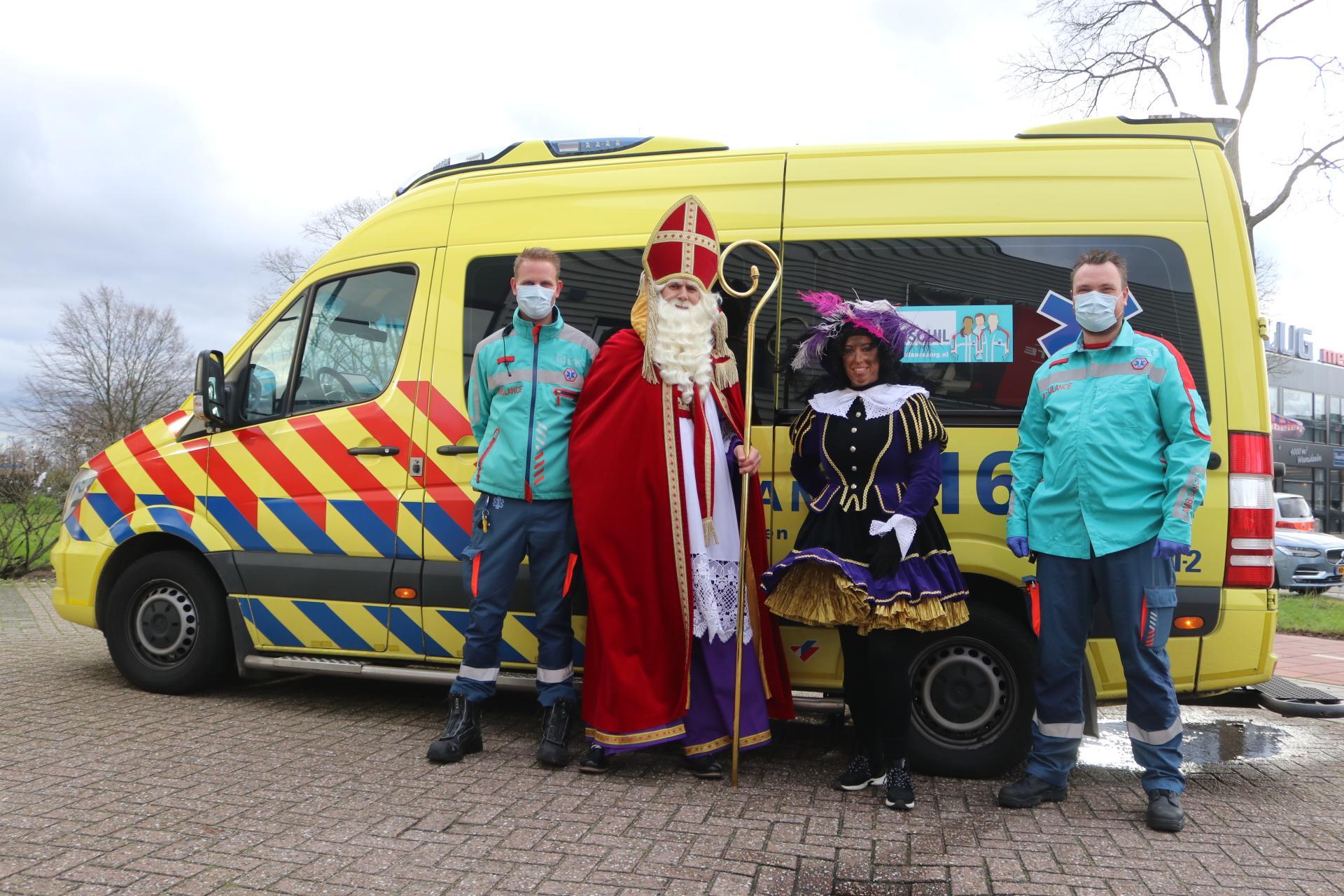 Sinterklaas en Piet betrokken bij autobotsing in Katwijk