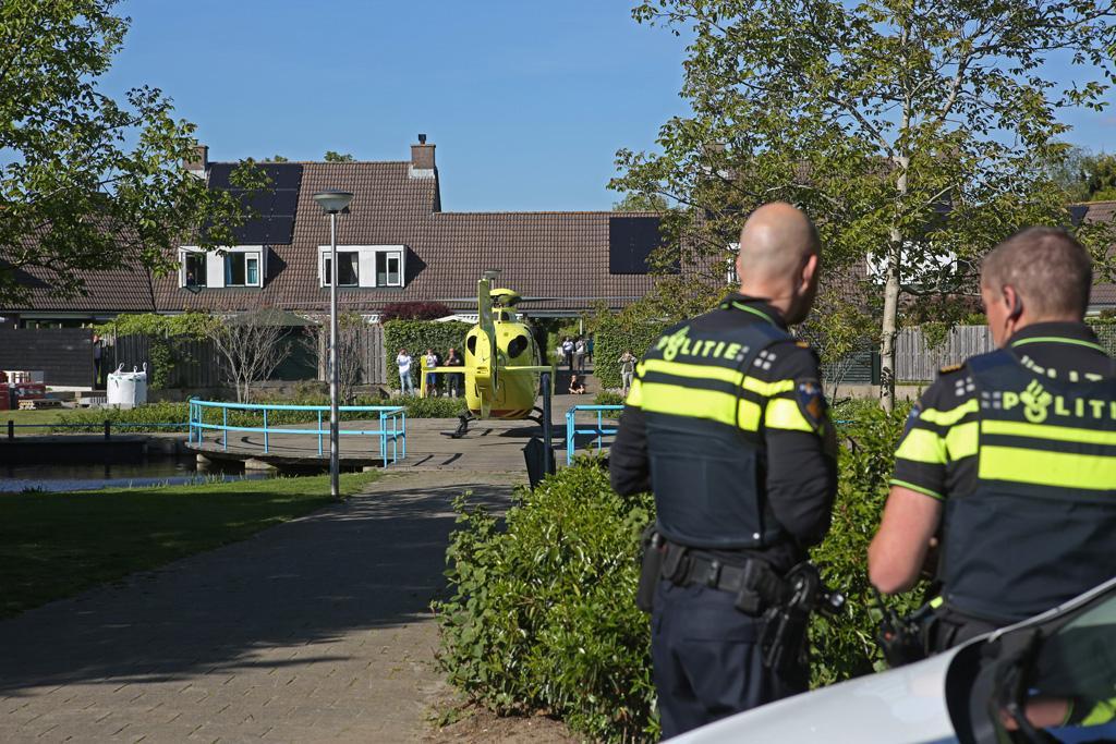Traumahelikopter landt in woonwijk in Heemstede