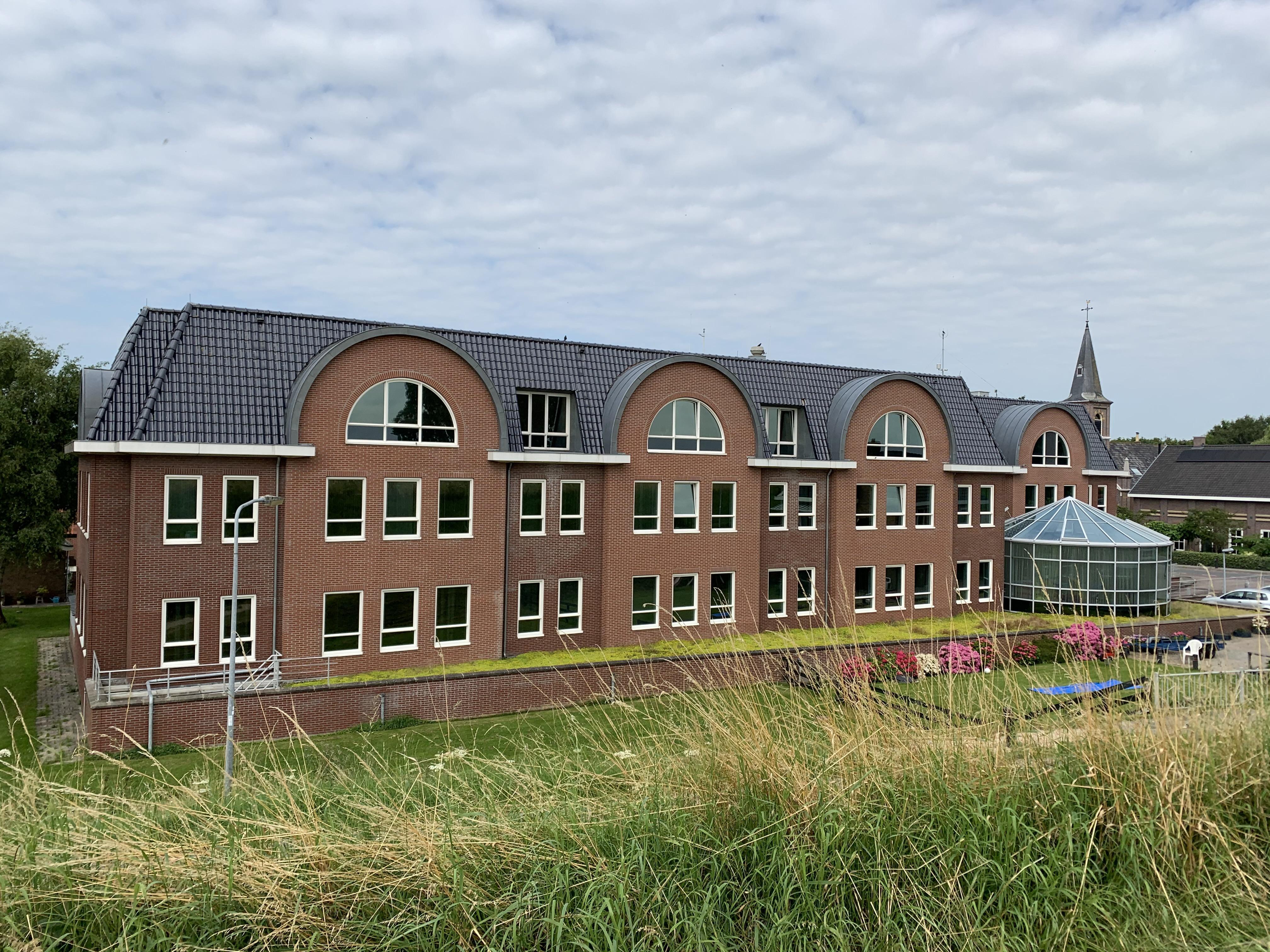 Bouwplan voor appartementen in kantoorkolos Strukton in Scharwoude