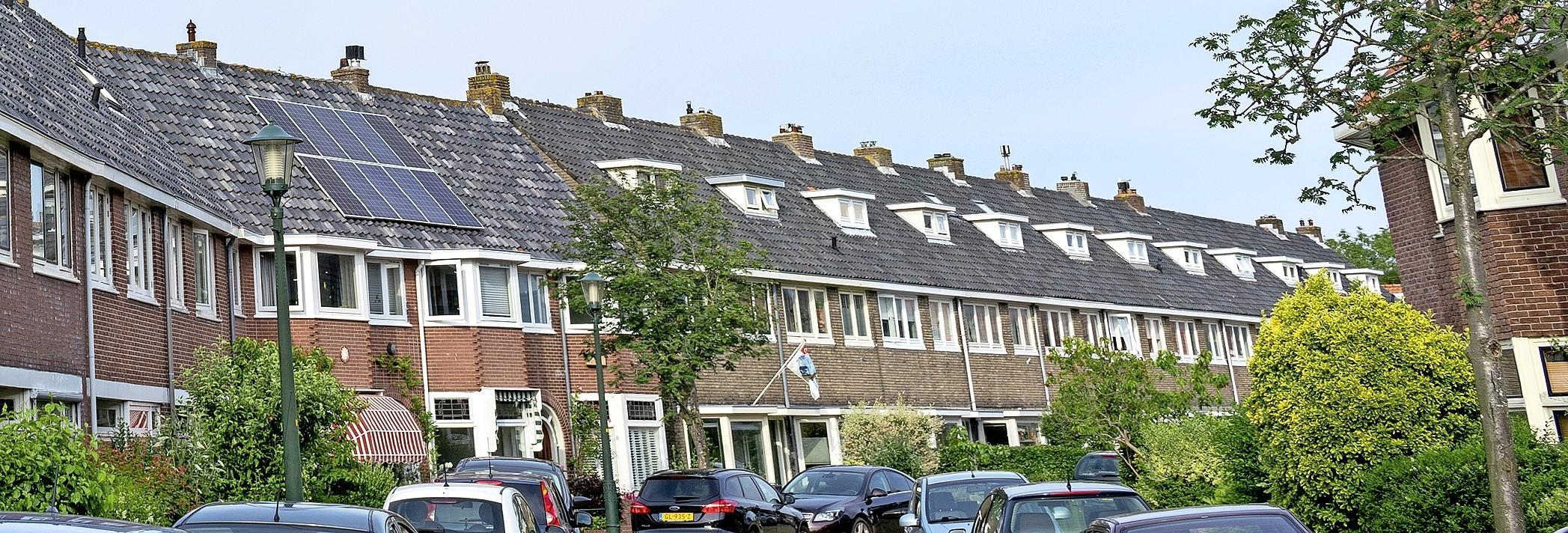 Te koop: geroofd joods vastgoed in de regio Alkmaar. Notarissen en makelaars werden stinkend rijk van smerige handel die keurig in de boeken werd bijgehouden