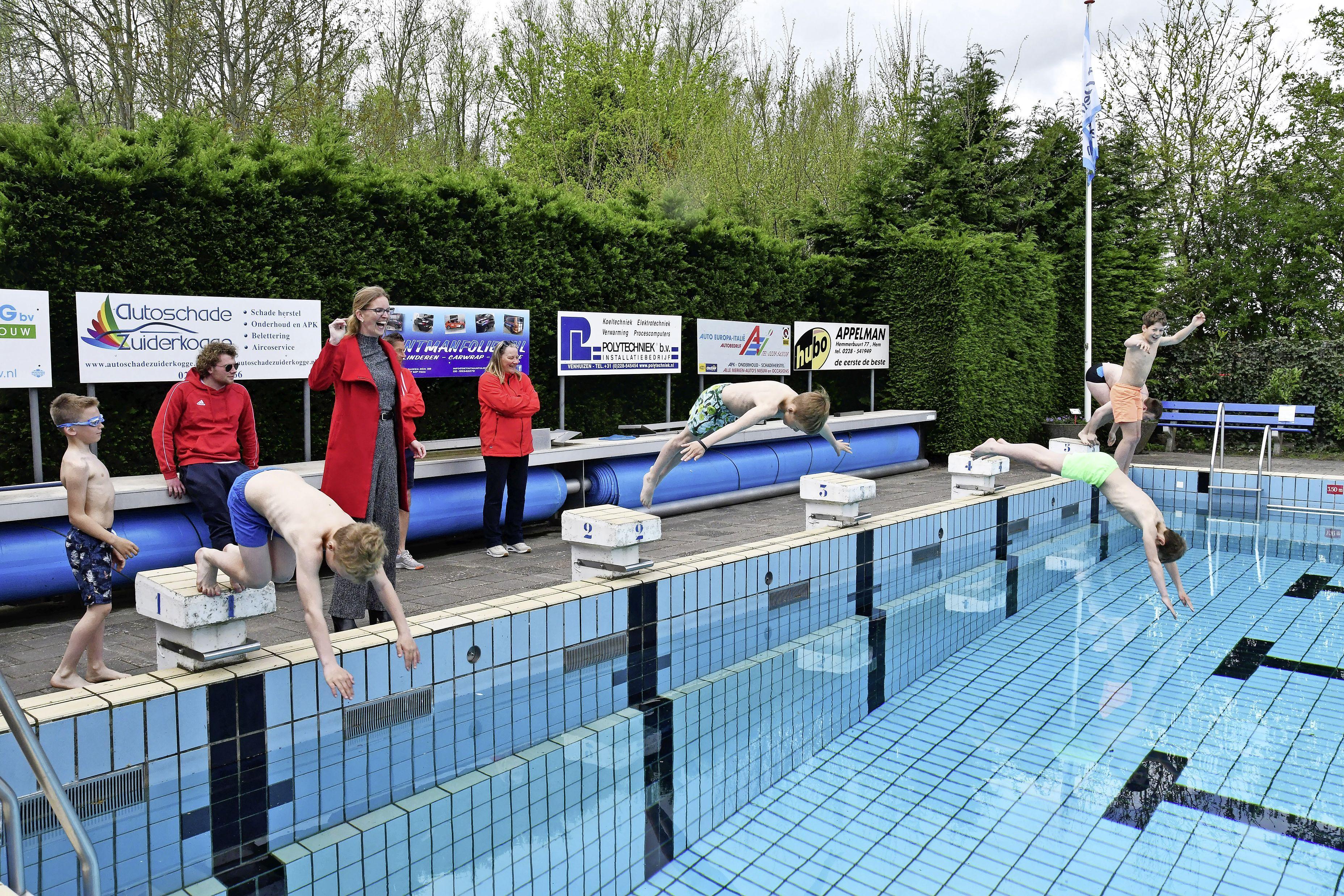 Buitenzwembaden in Drechterland zijn weer open