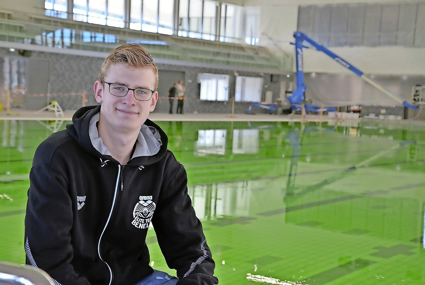 'Godzijdank ben ik niet bij het EK, maar op trainingskamp in Portugal.' Paralympisch zwemmer Bas Takken wil met oog op Tokio geen enkel risico lopen