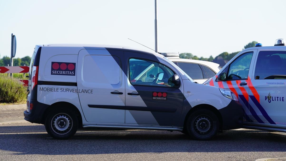 Kaping van een bedrijfsauto eindigt in Castricum: 'Erger is voorkomen, er zijn gelukkig geen slachtoffers gevallen'