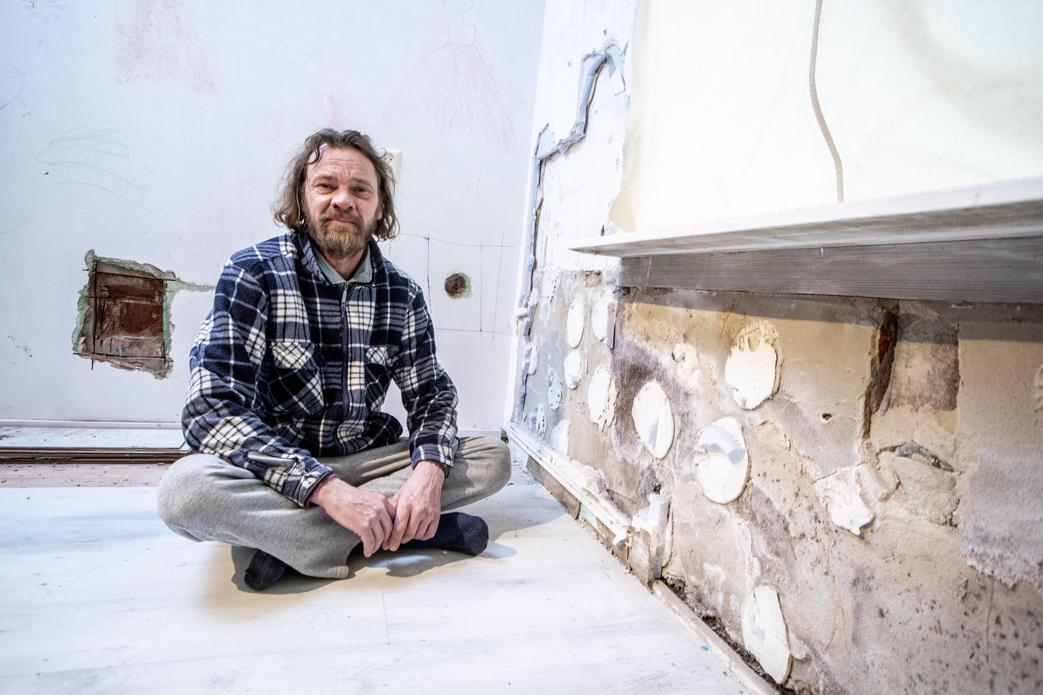 Meerdere huurders van Velison Wonen in Zeeheldenbuurt IJmuiden kampen met schimmel- en vochtproblemen in woningen