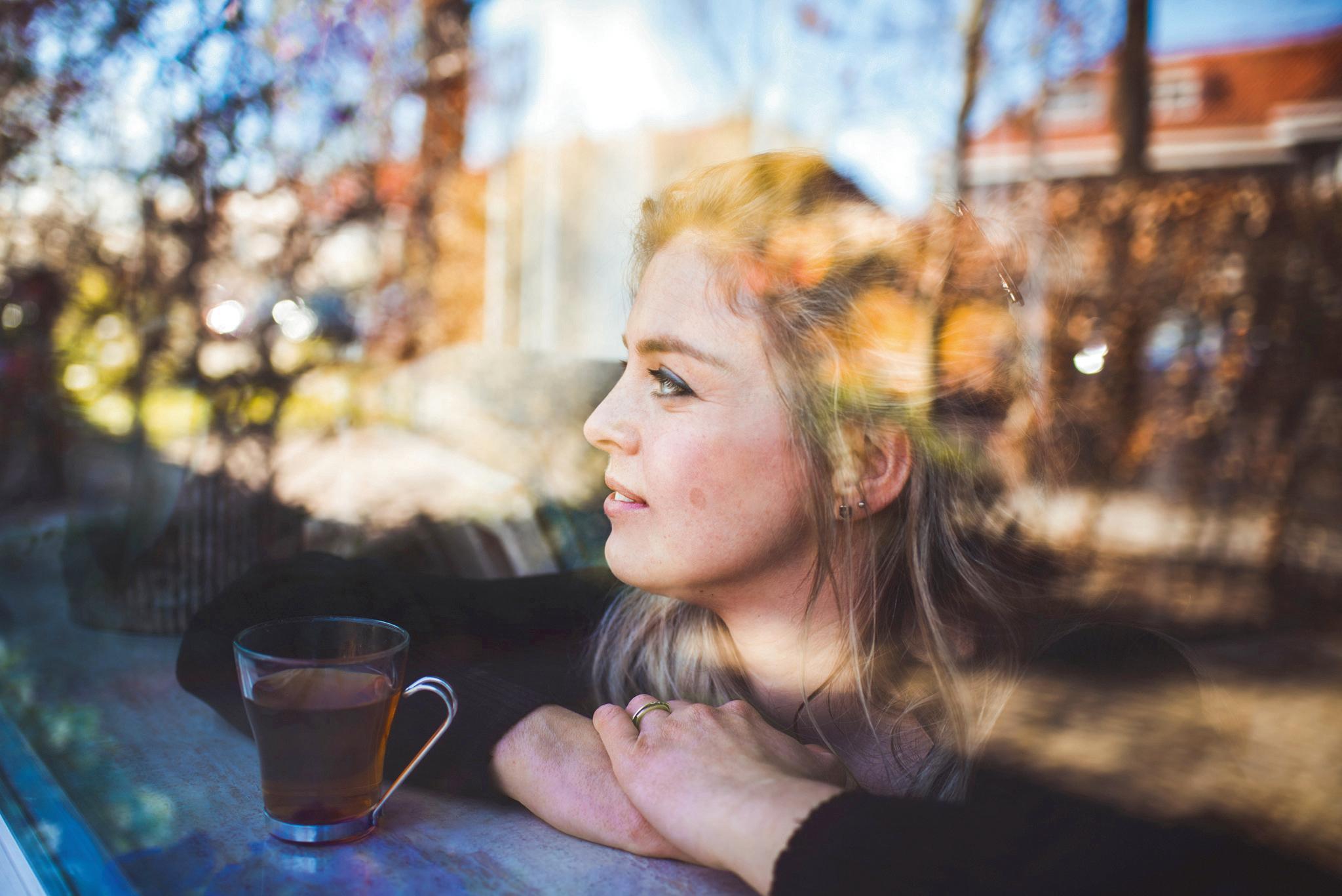 Daniëlle brengt buiten met fotografie binnen: 'Het lenteweer kun je nu mooi laten weerspiegelen in het raam'