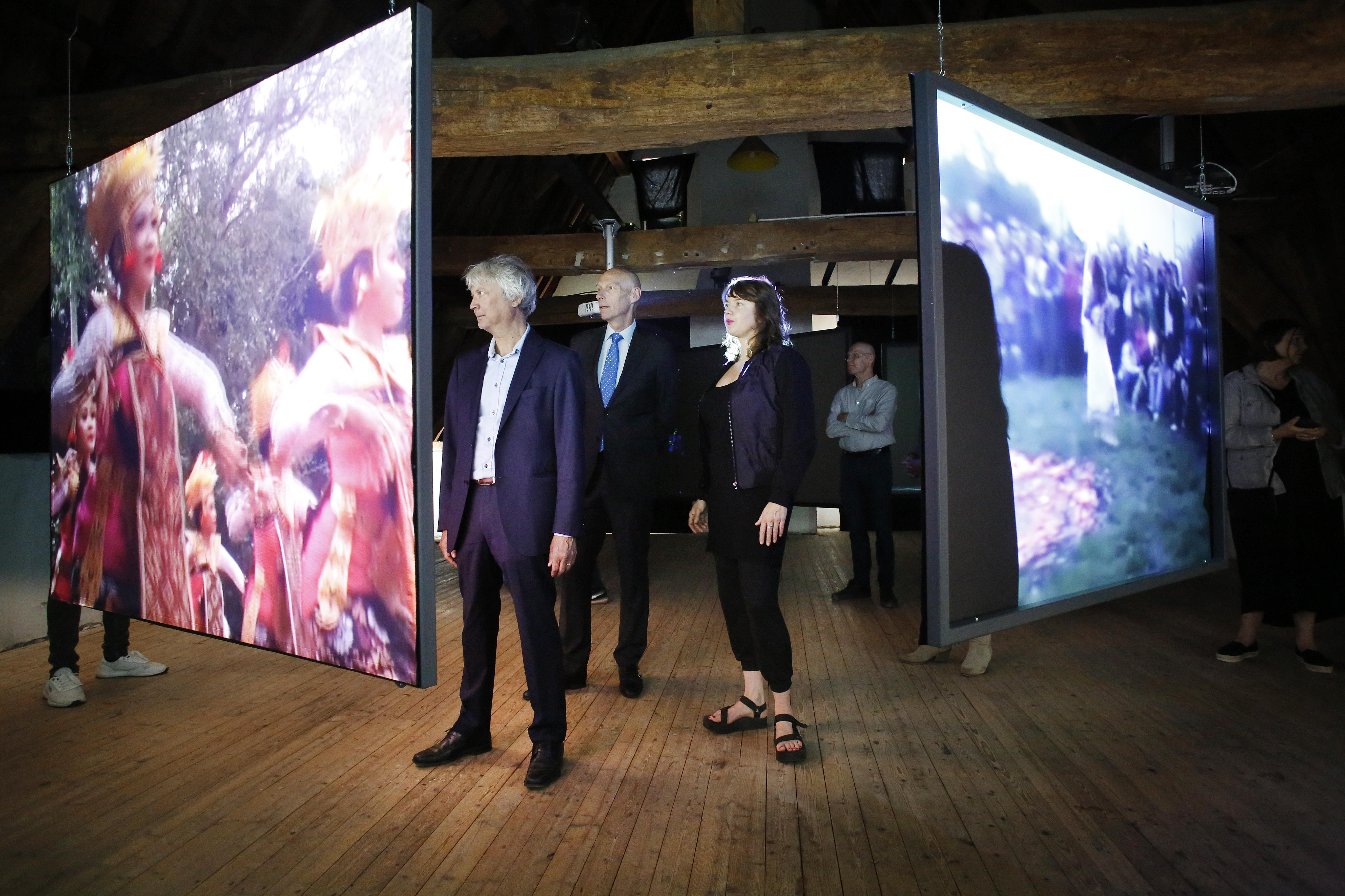 Ook mensen met een visuele beperking kunnen dit jaar op FotoFestival Naarden tentoonstellingen 'bekijken', dankzij audiotranscriptie en samenwerking met Koninklijke Visio