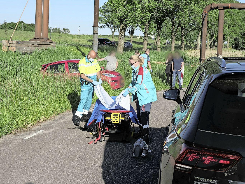 Vier gewonden bij frontale botsing in Velsen-Zuid