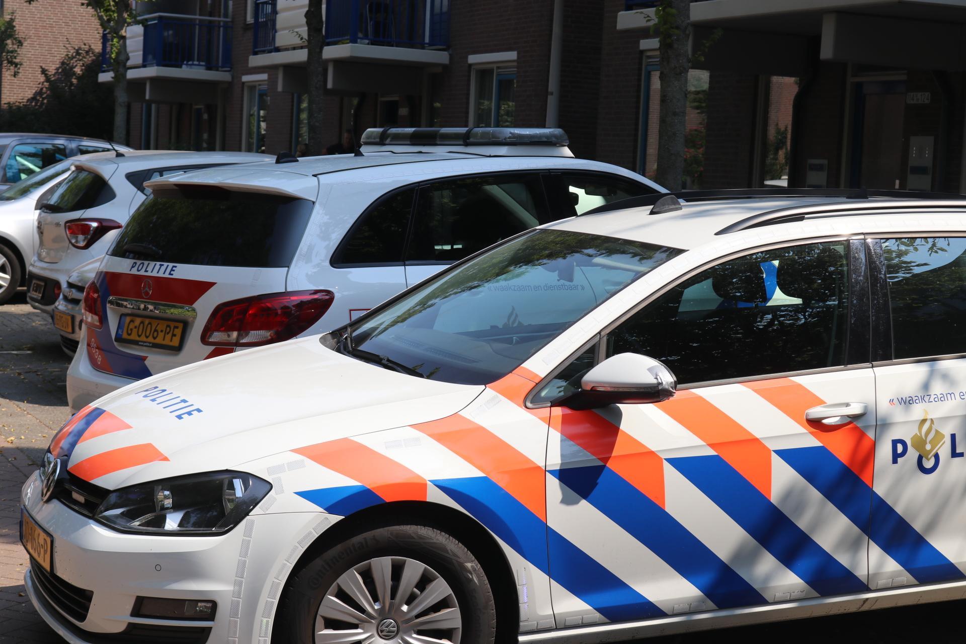 Politie rukt uit voor mogelijke steekpartij aan de Voerman in Lisse