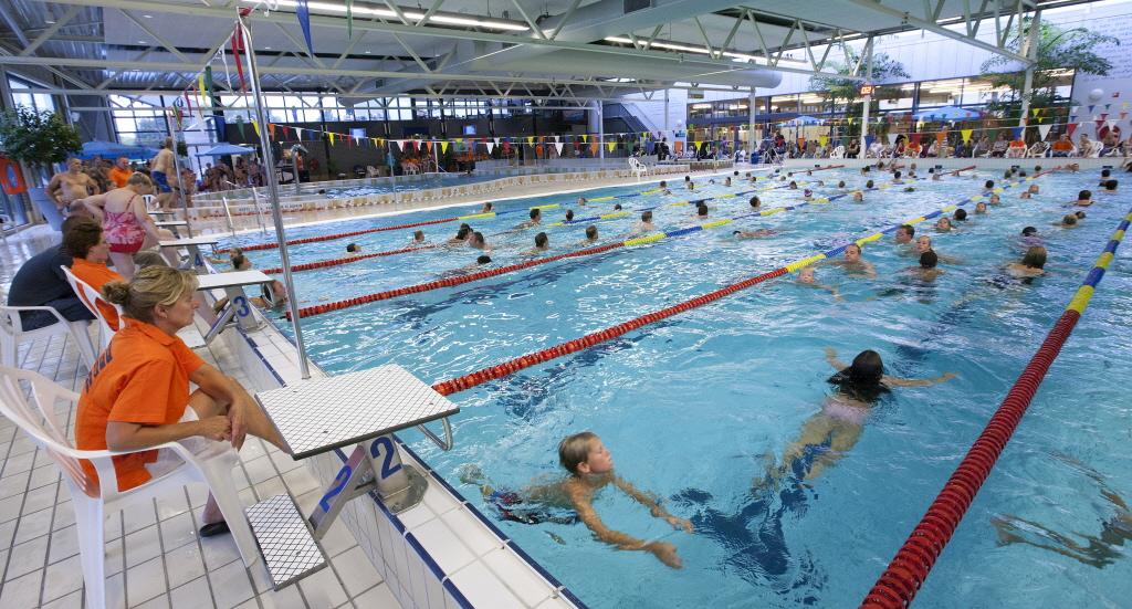 Kaartje voor zwembad nog eens ruim 10 procent duurder