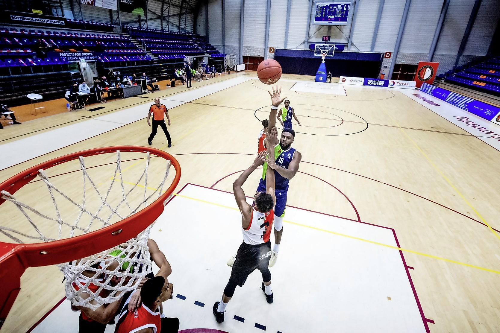 Sportkoepel NOC*NSF moet overheid namens clubs overtuigen van éénduidig beleid in hoogste competities: Snelle doorstart en volwaardig trainen