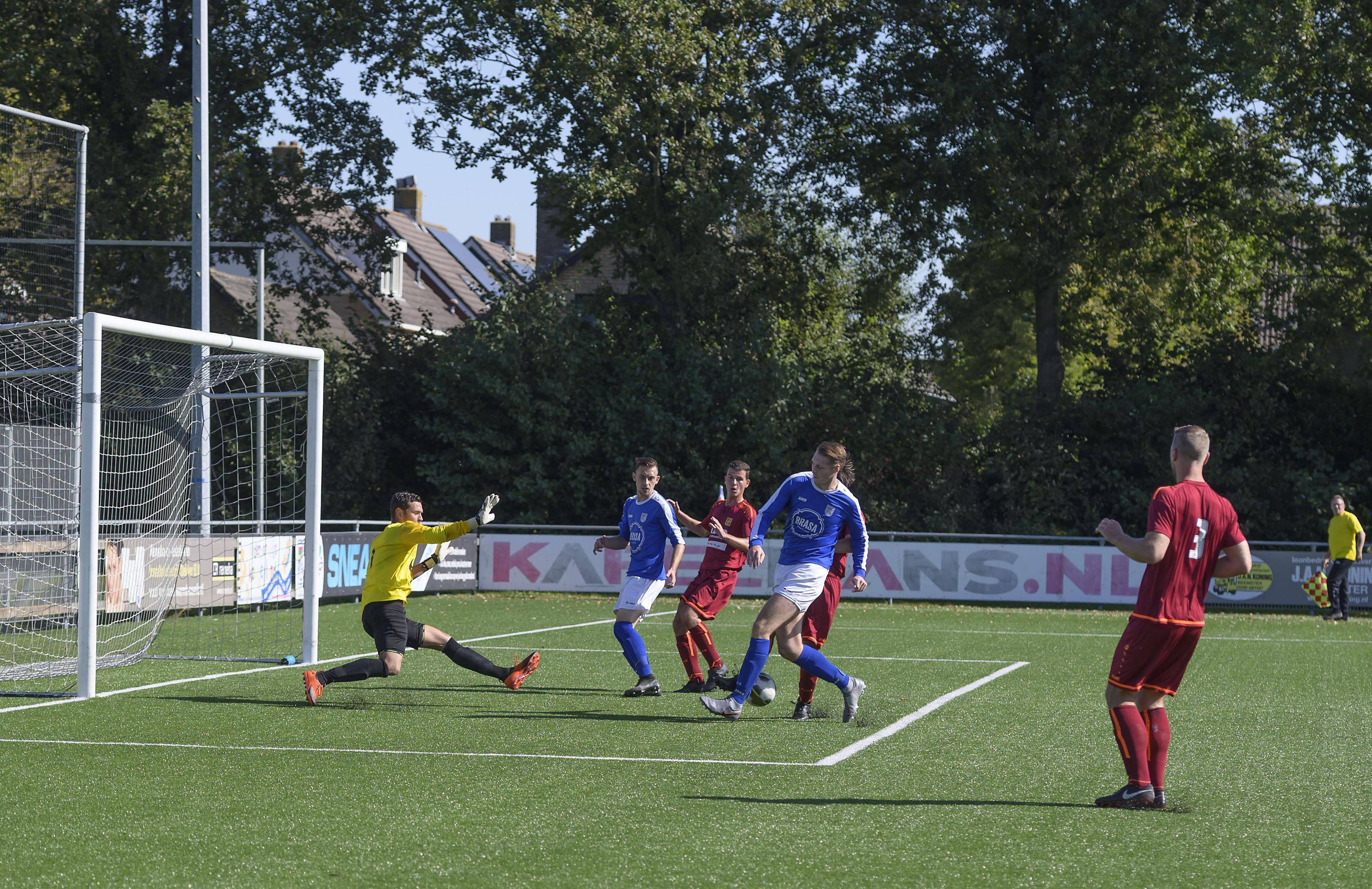 Twee rode kaarten te veel van het goede; verzwakt zondagelftal Beemster buigt in slotfase toch voor Ilpendam