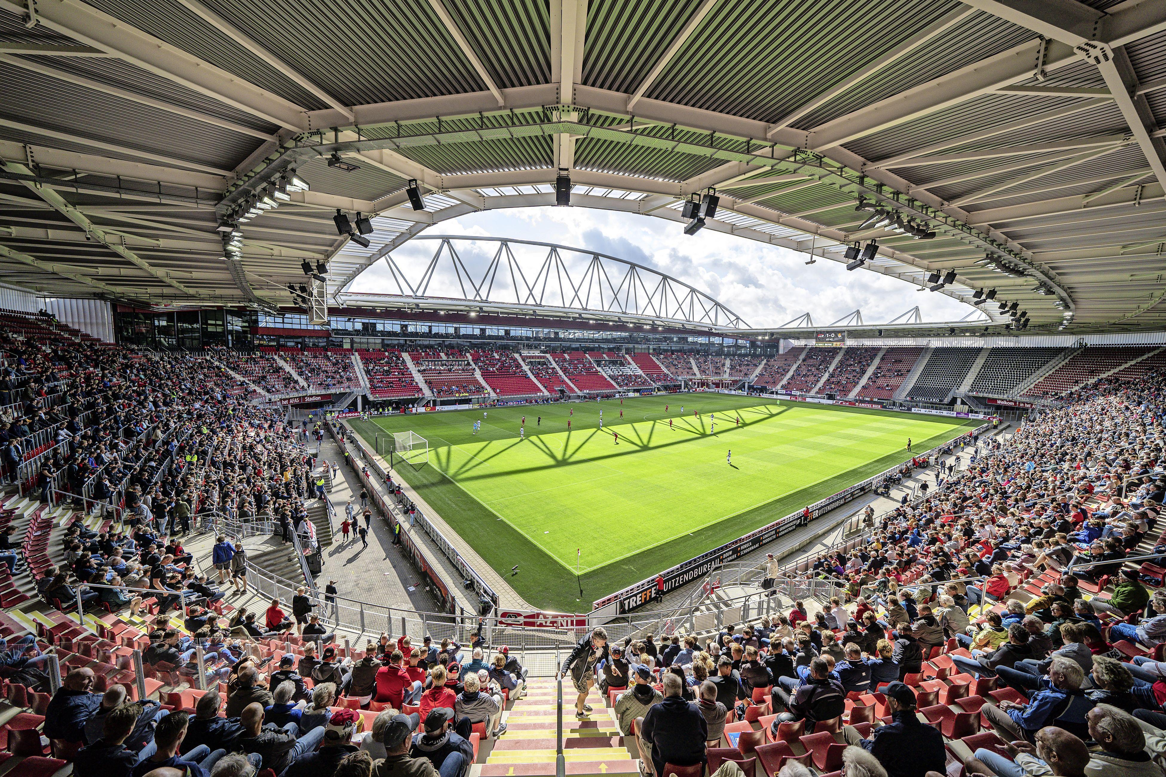 AZ-fans beleven mooie terugkeer in het stadion: Real Sociedad wordt onder het nieuwe dak geklopt [video]