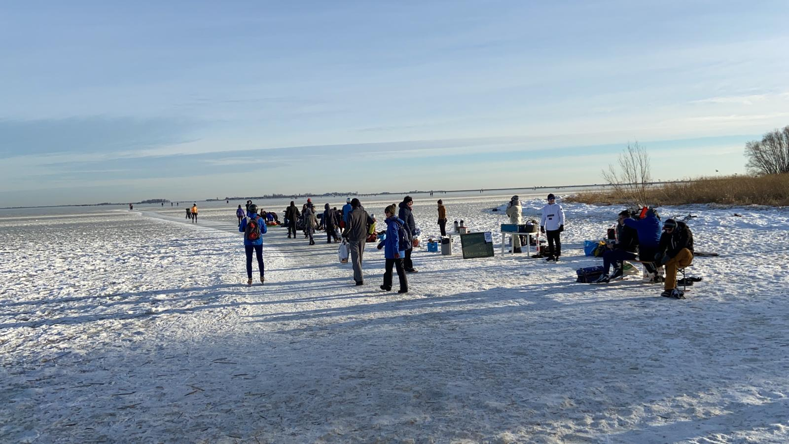 'Iedereen denkt: het moet nú gebeuren'; laatste rondjes van de winter op de Gouwzee