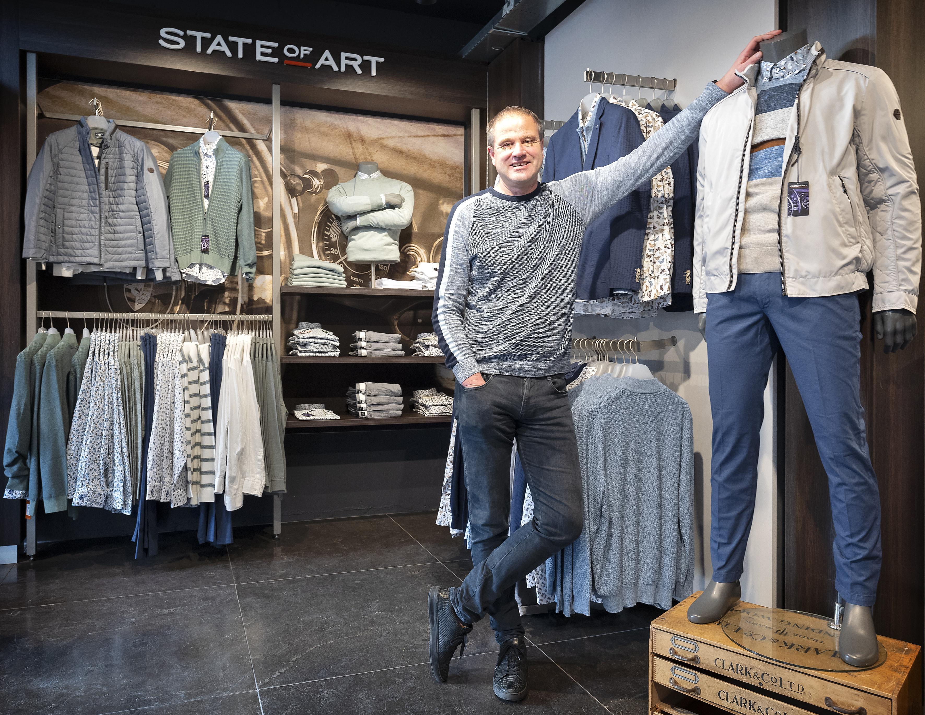 Mensen hebben in de IJmond soms hele kledingwinkels alleen voor zichzelf: 'Klanten kunnen helemaal los, the floor is yours'