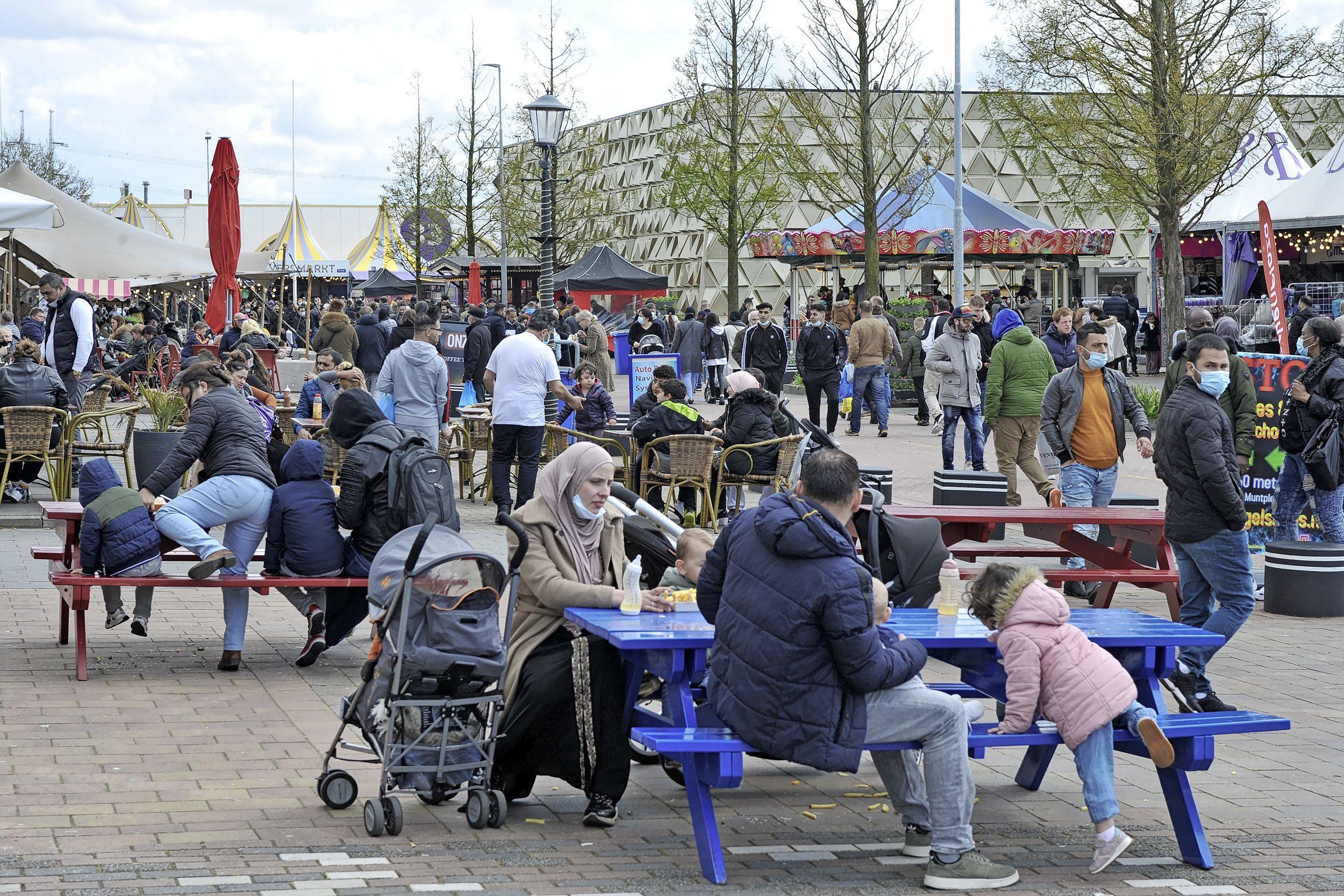 'Zo hoort het op de Beverwijkse Bazaar te zijn' nu de winkels weer open mogen. 'Dit is veel prettiger'