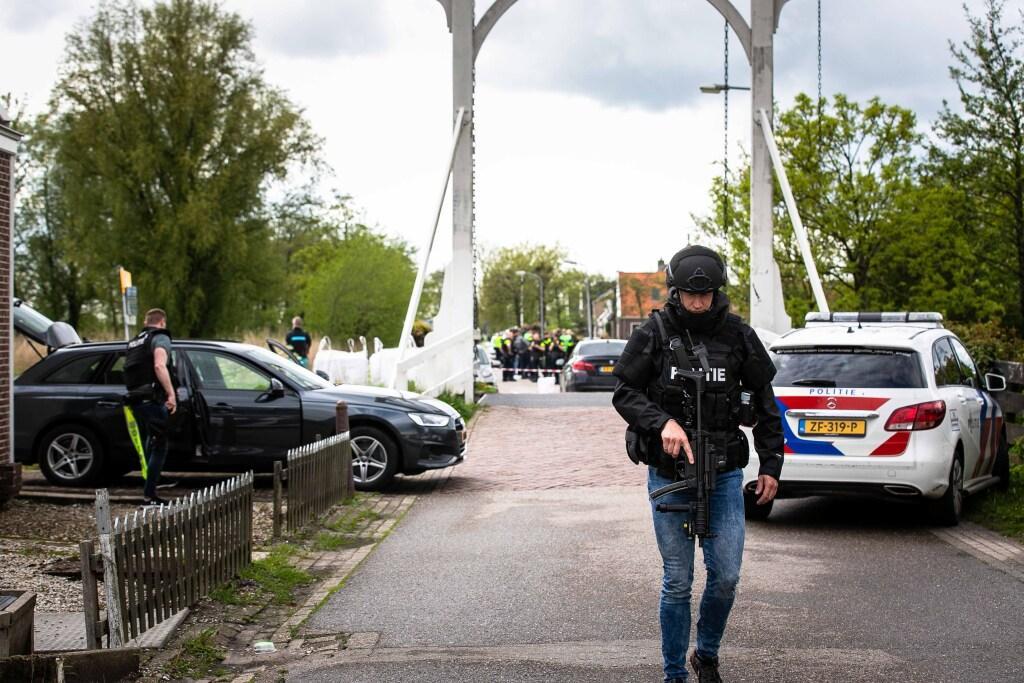 Vertrouwelijke memo: 'In Broek in Waterland gepakte waardetransportberovers sloegen eerder toe in Nederland'