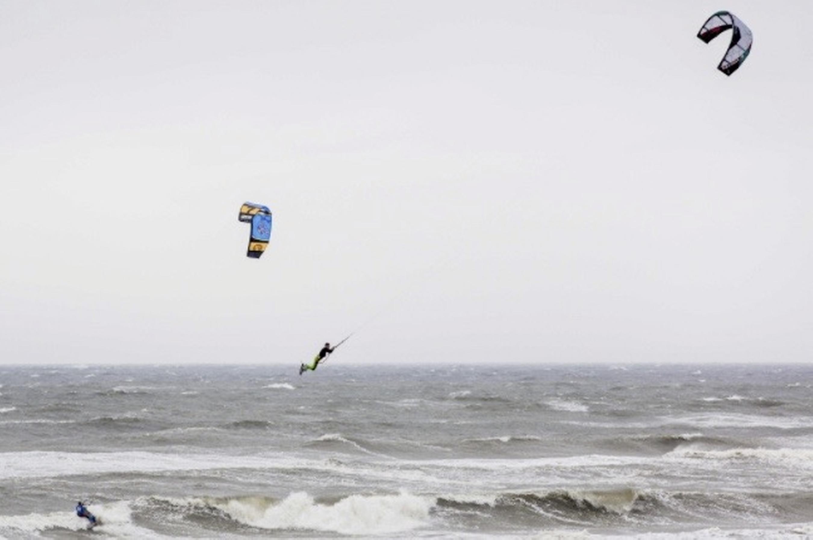 Zandvoort past zones voor watersporters en zwemmers aan
