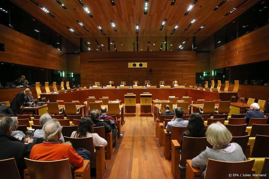 Europees Hof: geen hoofddoek voor werknemer als klant dat vraagt