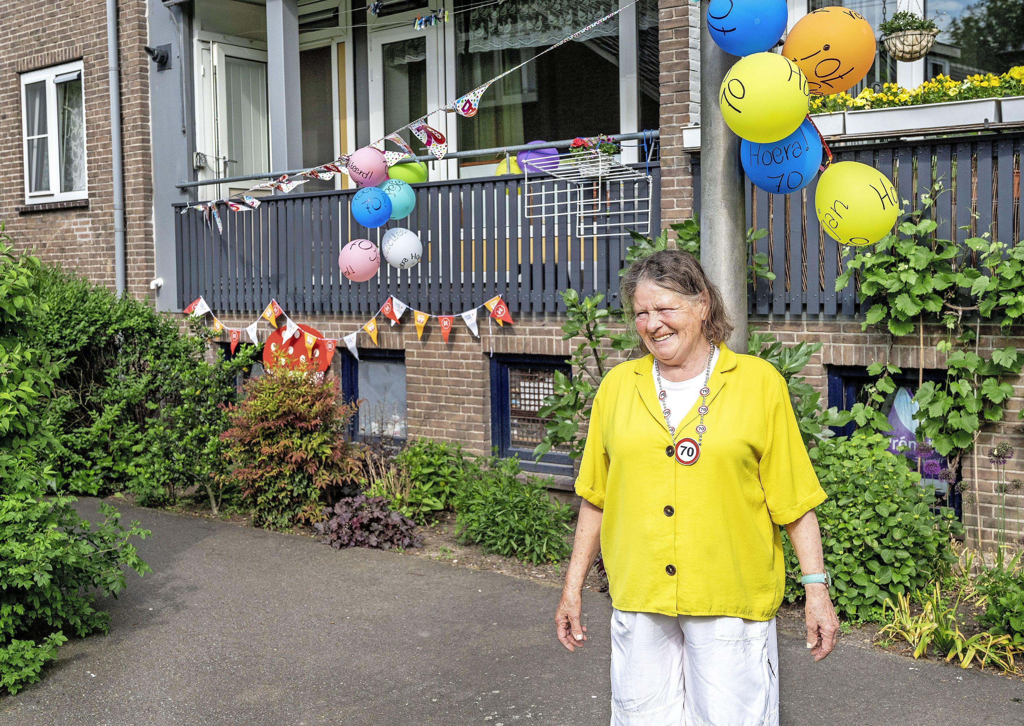 De hele buurt kent Marian Franssen en zij kent de hele buurt: ze ruimt al jaren de rotzooi van anderen op