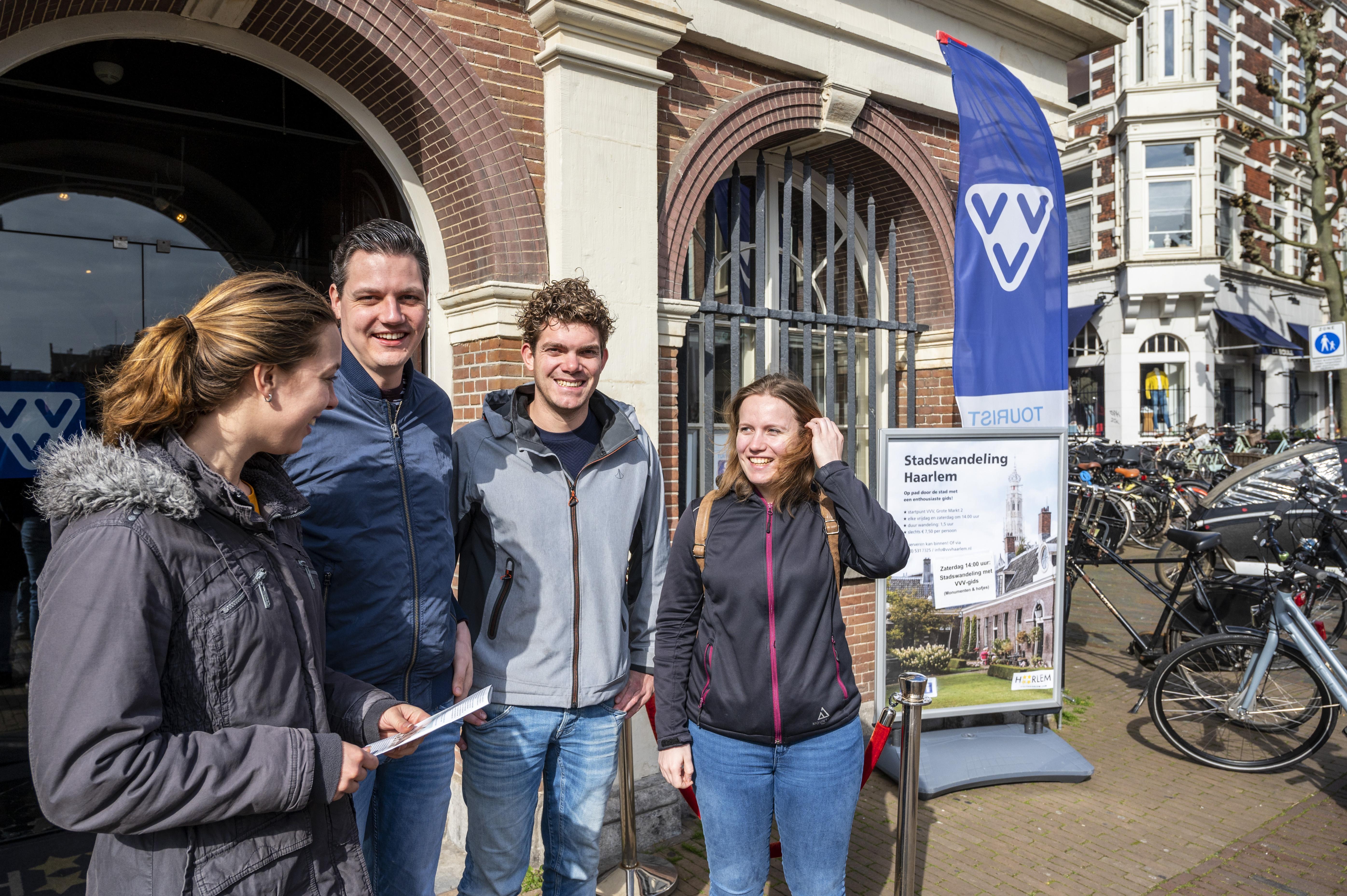 Toeristen vermaken zich in Haarlem mondjesmaat