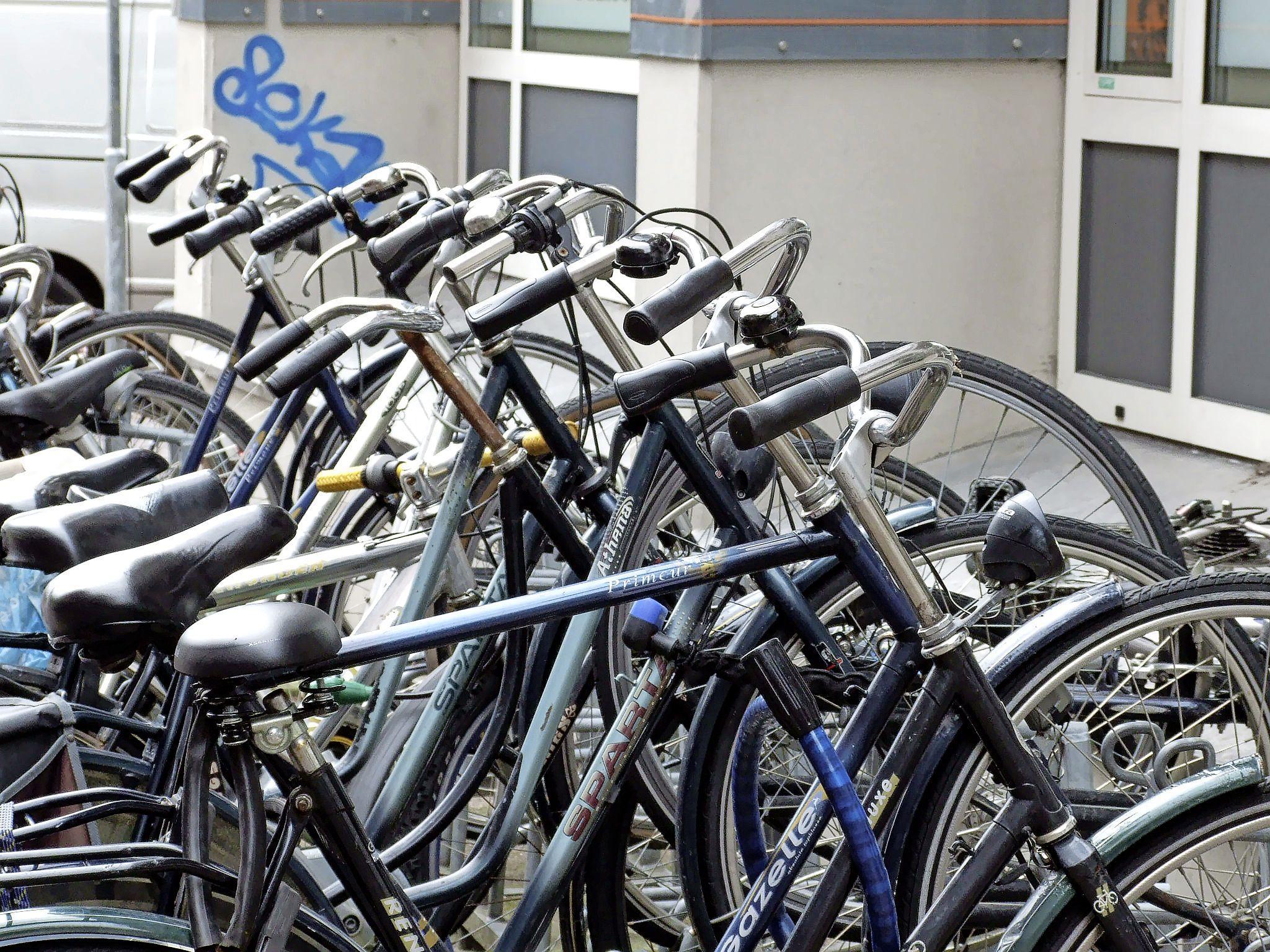 Regio Alkmaar gaat niet mee met landelijke trend. Minder aangiftes van diefstal e-bikes. Ook veel minder aangiftes van diefstal gewone fietsen