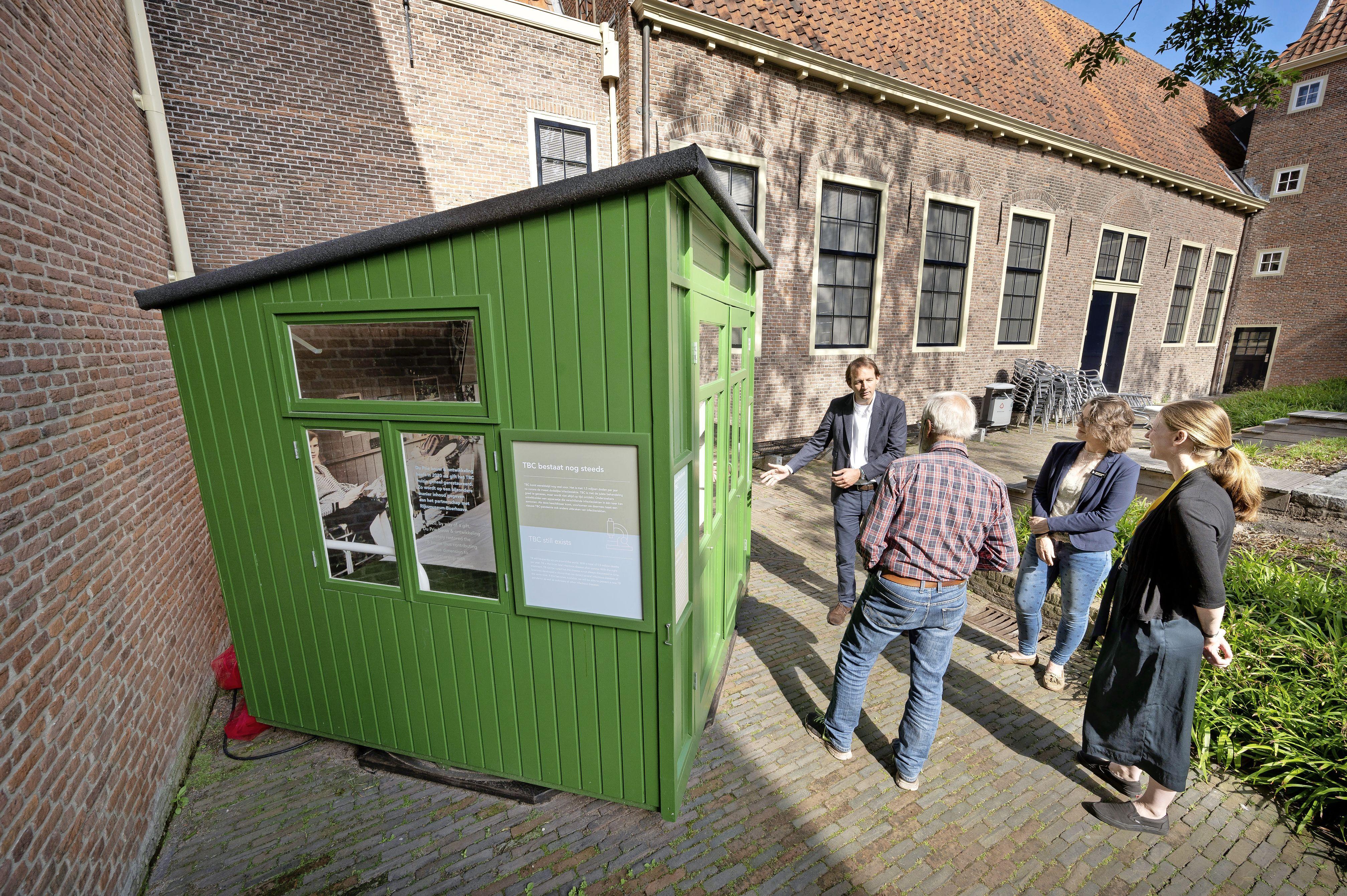 Wat eerst een tuinhuisje was om gereedschap in op te bergen, is nu een museumstuk bij Rijksmuseum Boerhaave in Leiden: een Hilversums tbc-huisje